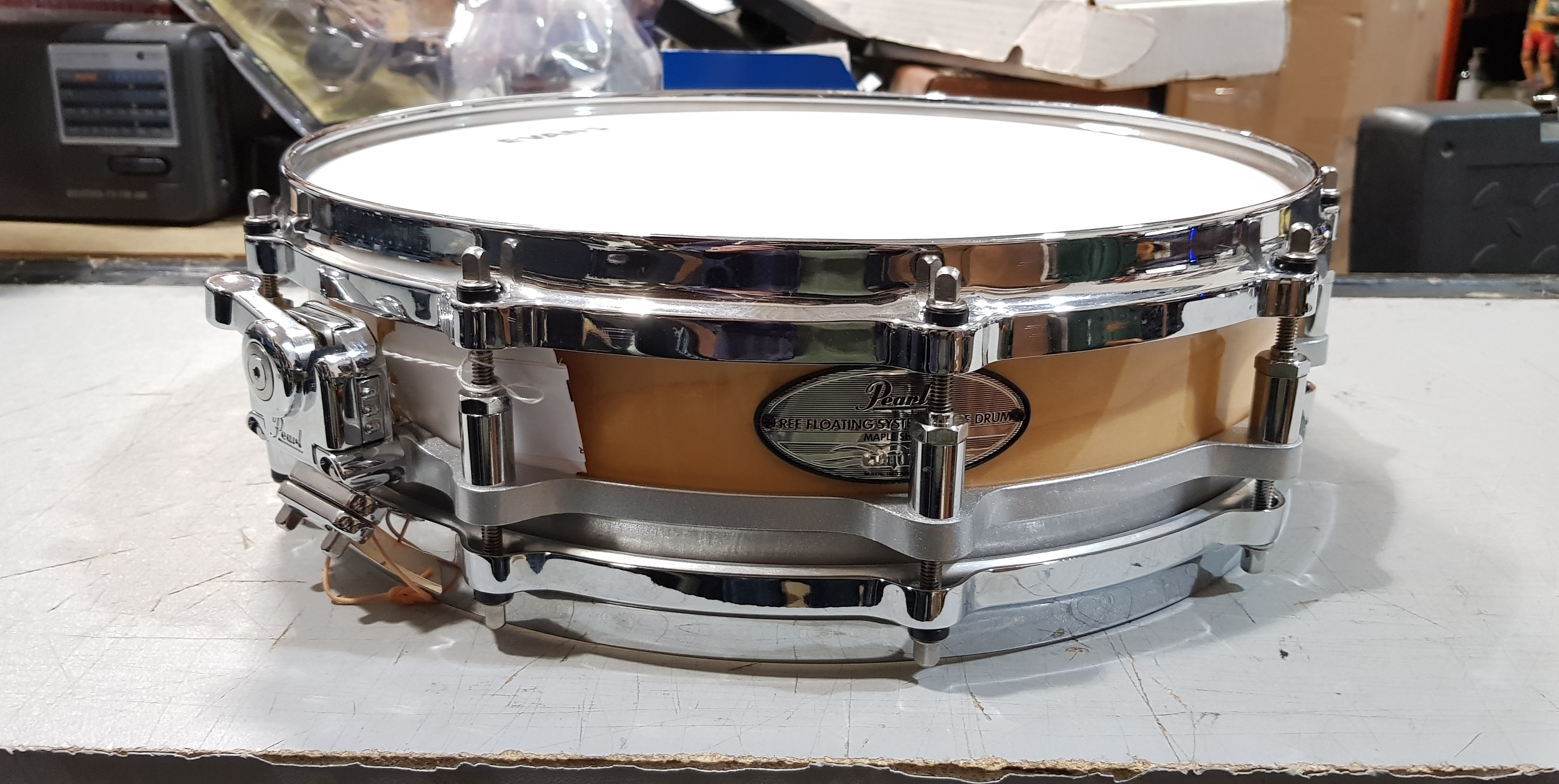 PEARL FREE FLOATING PICCOLO Snare Drum - Maple Shell - 14