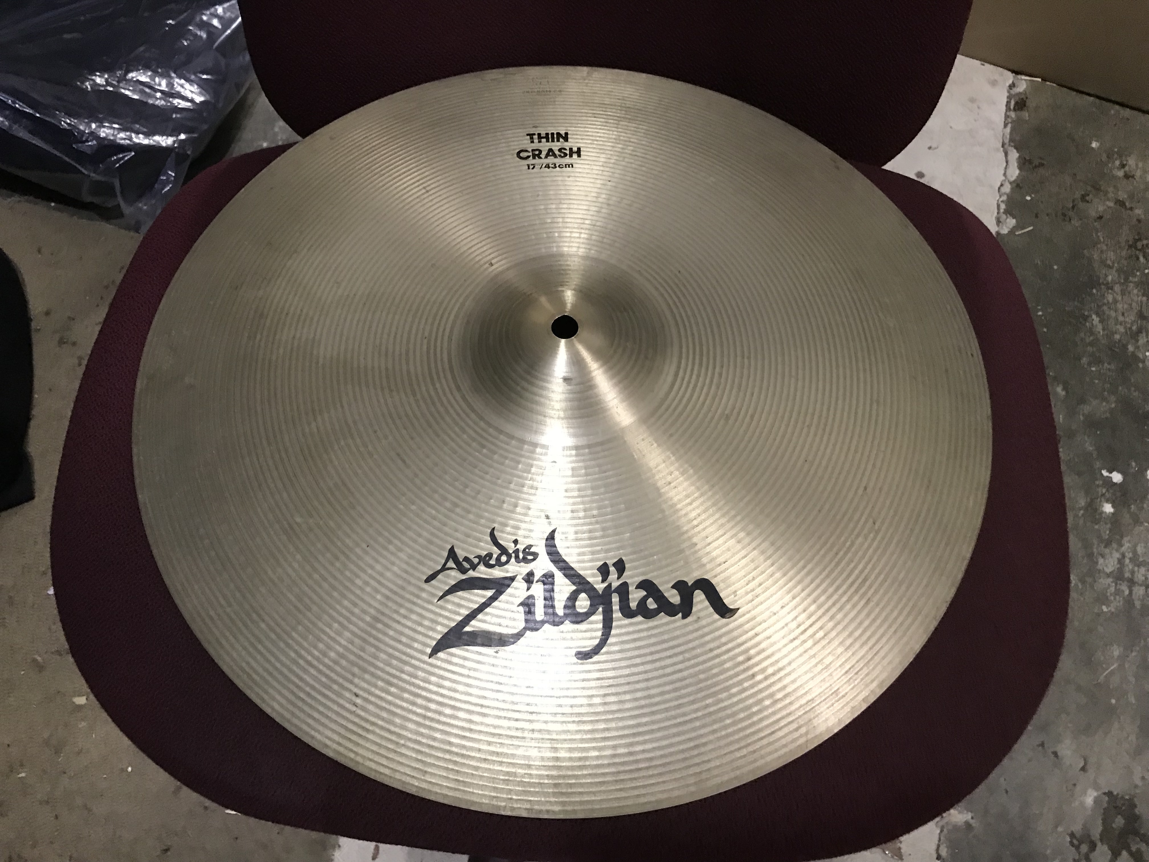 ZILDJIAN THIN CRASH 17