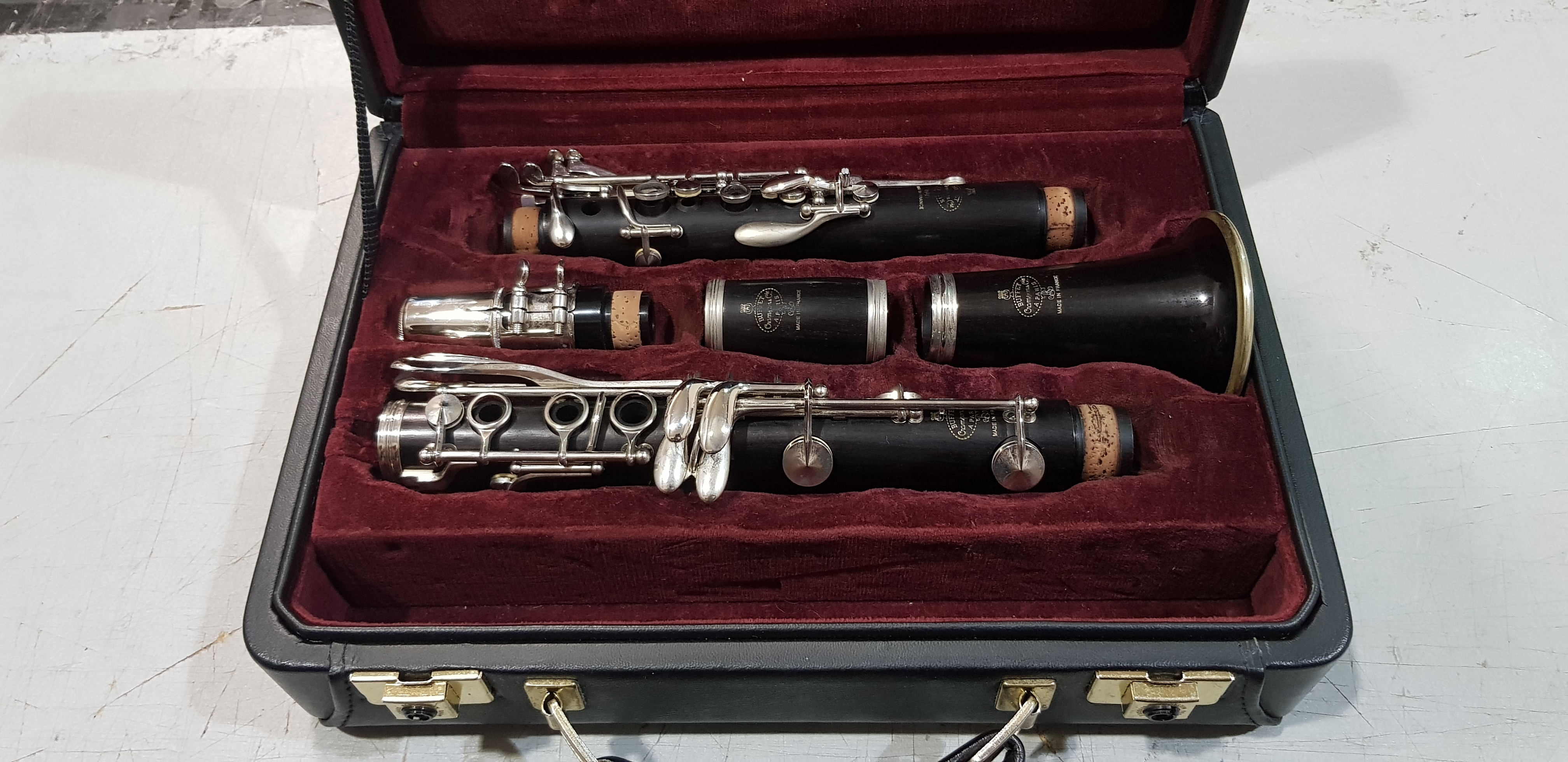 BUFFET CRAMPON R13 B 660 Professional Wood Bb Clarinet with Case