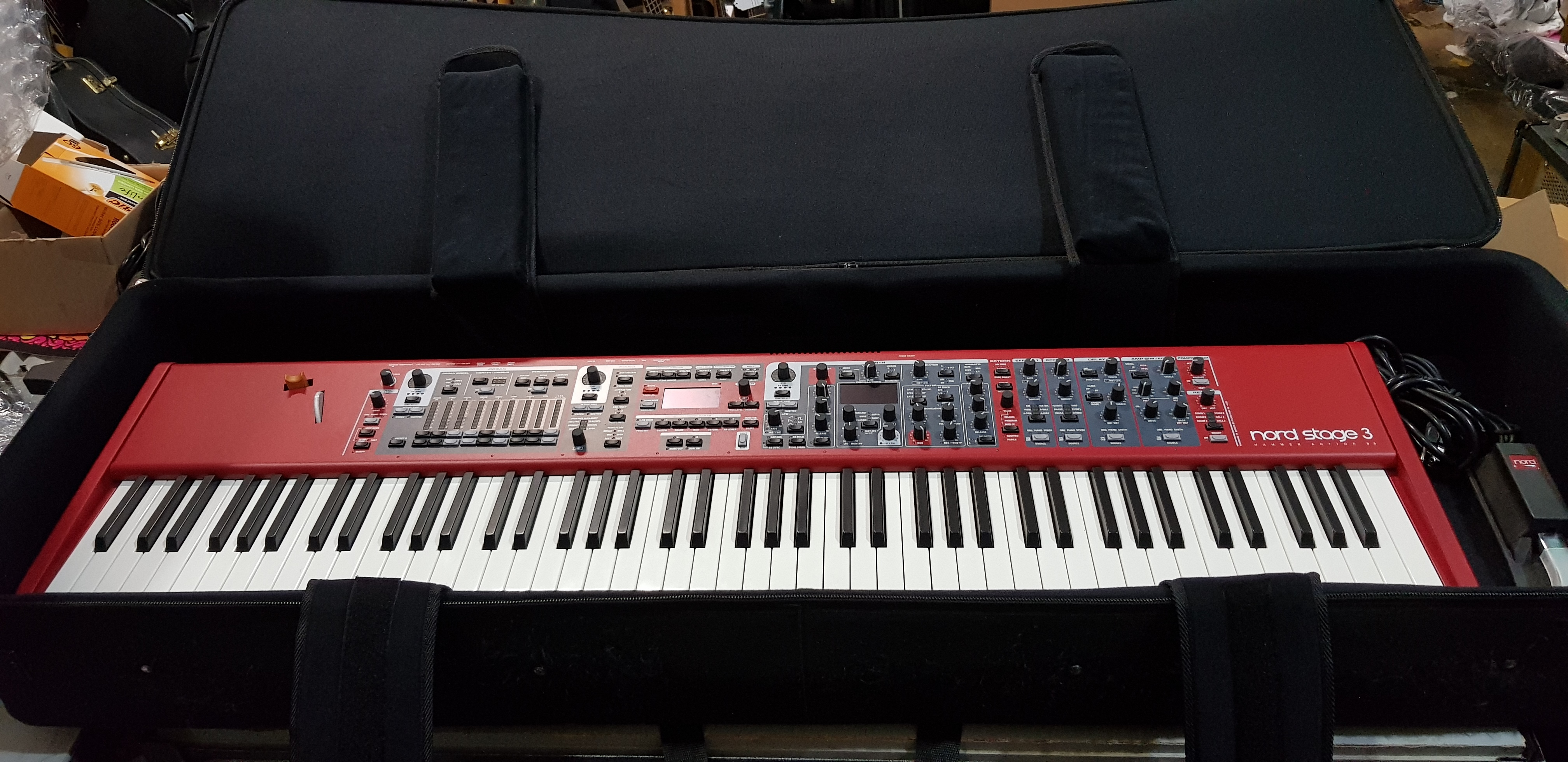 NORD STAGE 3 88-Key Hammer Action Stage Piano w/ Gator Rolling Keyboard Case