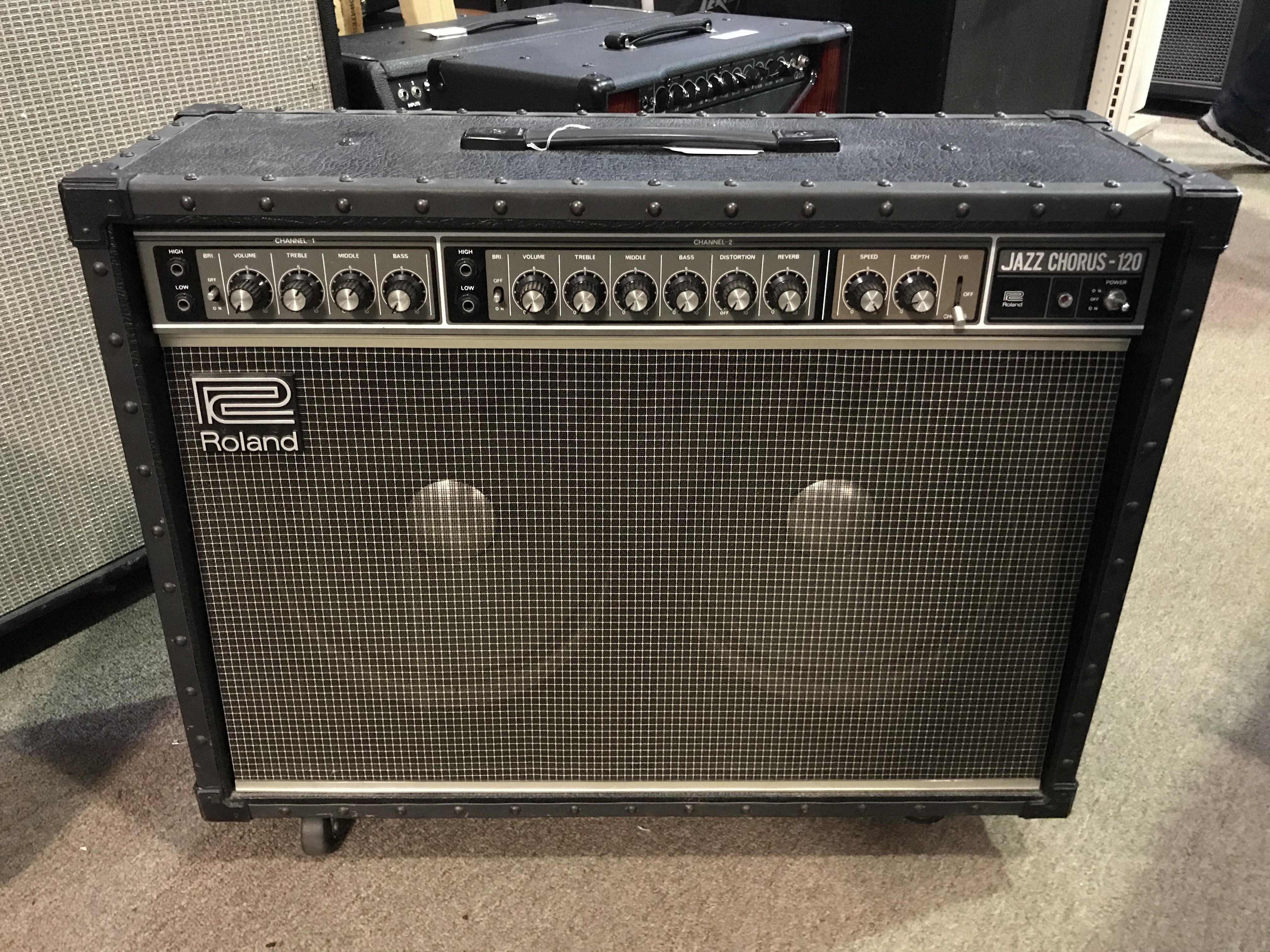 ROLAND JAZZ CHORUS JC-120 120W 2X12 Stereo Guitar Combo Amp