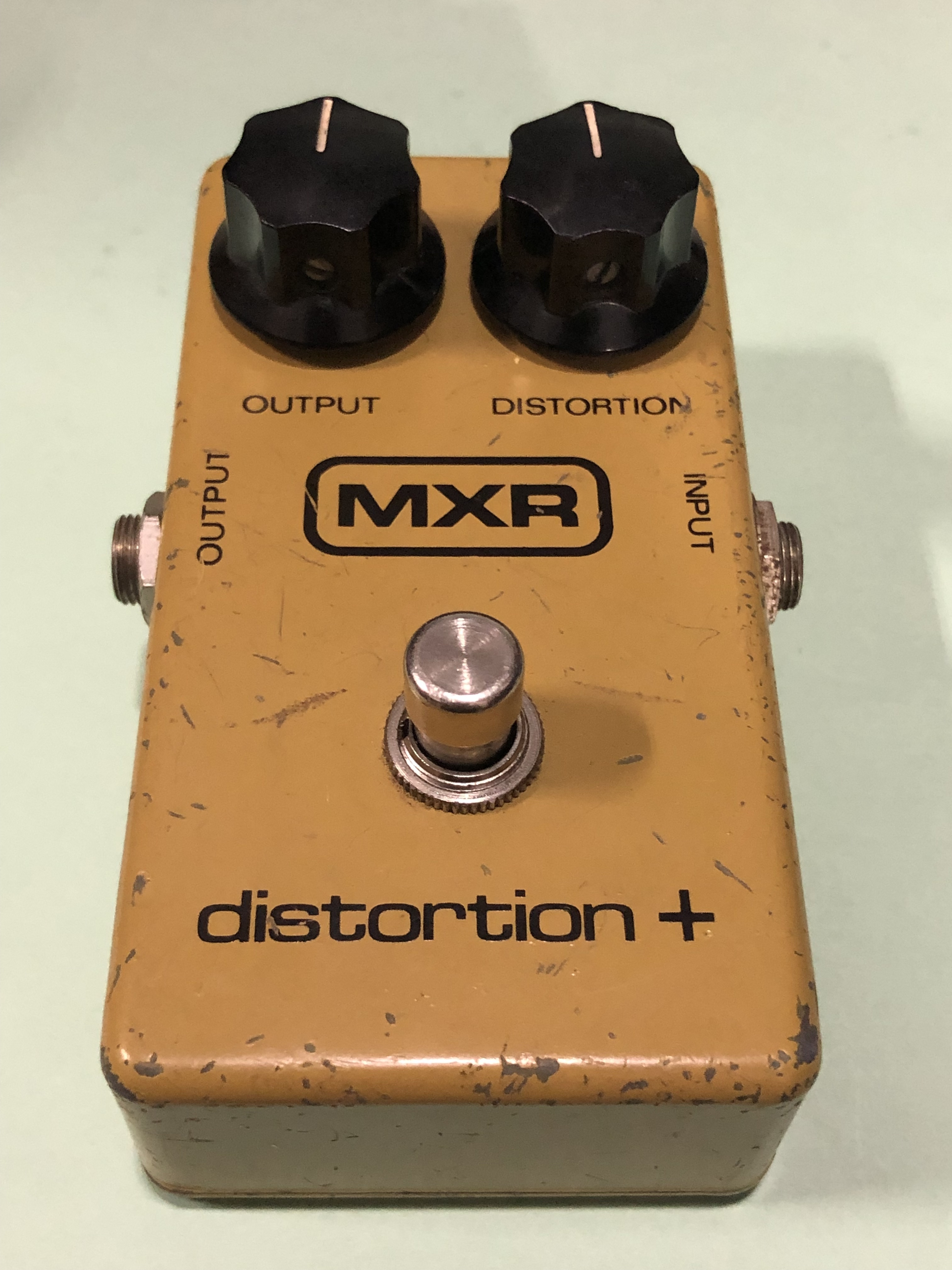 MXR - DISTORTION PLUS - EFFECTS PEDAL