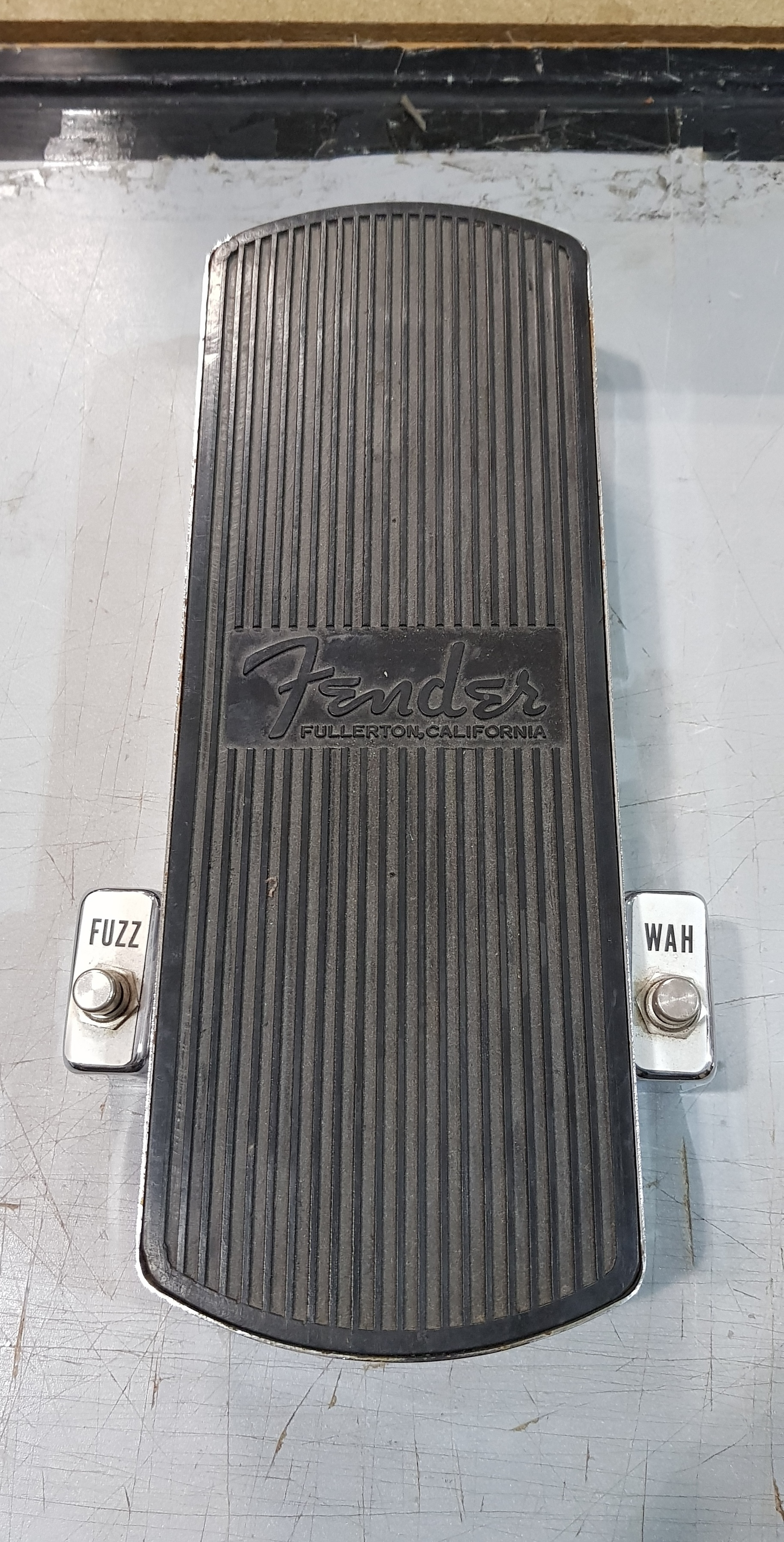 Original FENDER Fuzz-Wah Fuzz and Wah-Wah Effect Pedal