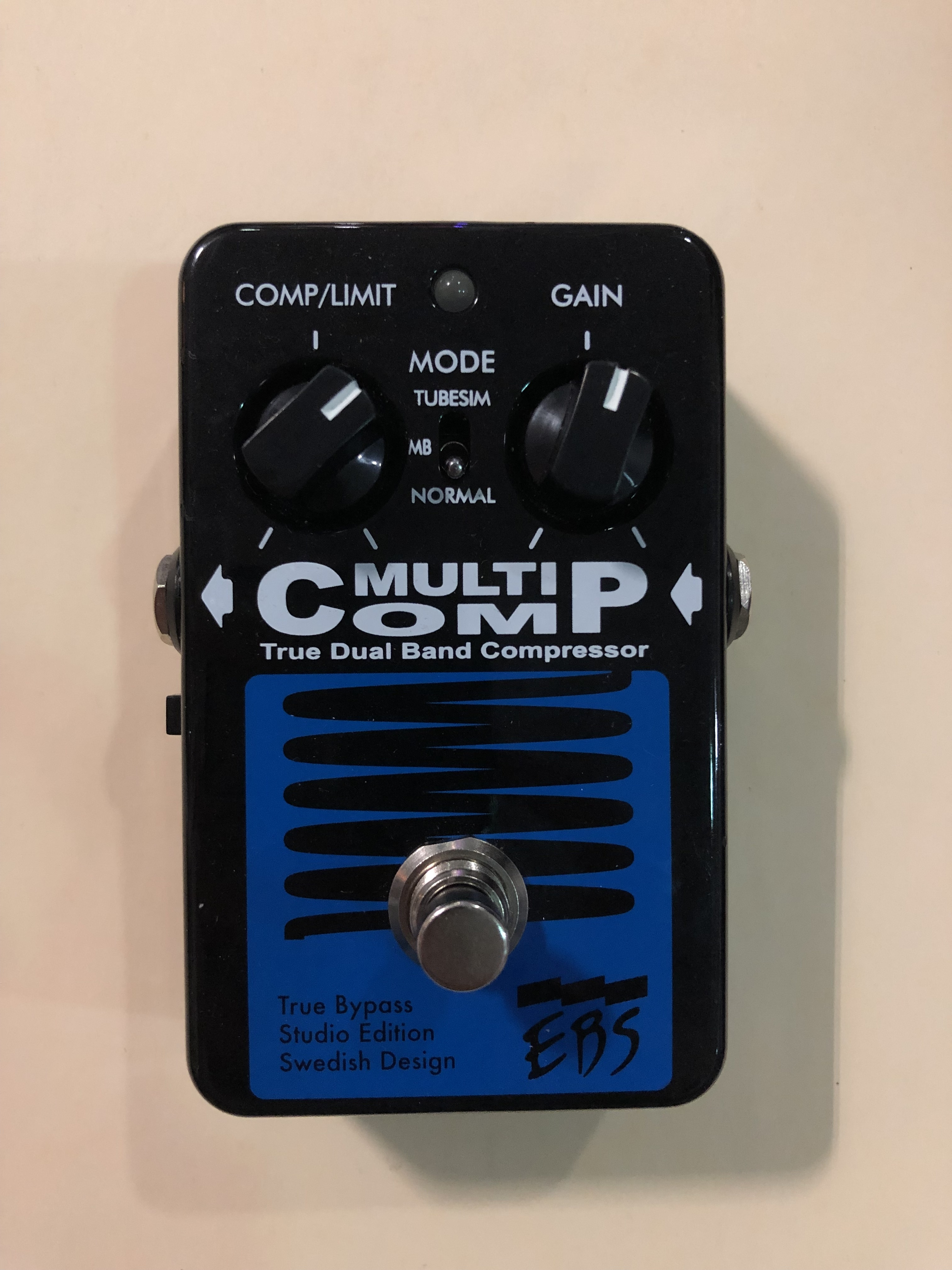 EBS - MULTI COMP STUDIO EDITION - COMPRESSOR EFFECTS PEDAL