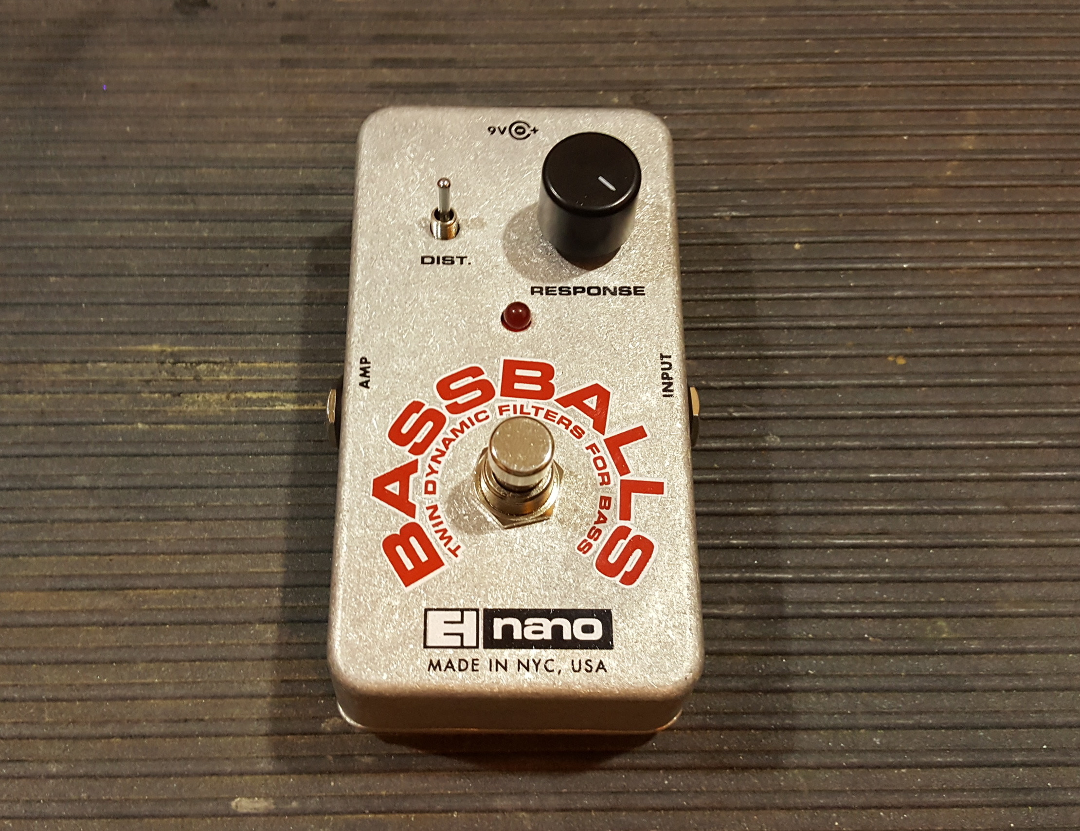 ELECTRO-HARMONIX BASSBALLS Twin Dynamic Filter for Bass Effects Pedal