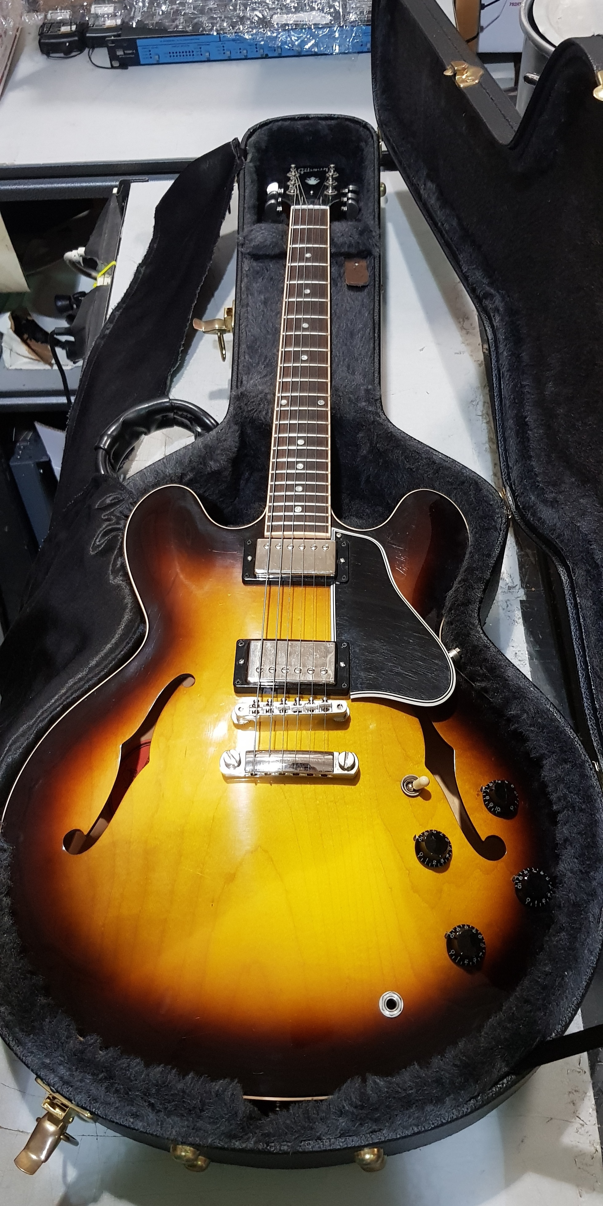 2011 GIBSON ES-335 Semi-Hollow Electric Guitar **HSC**