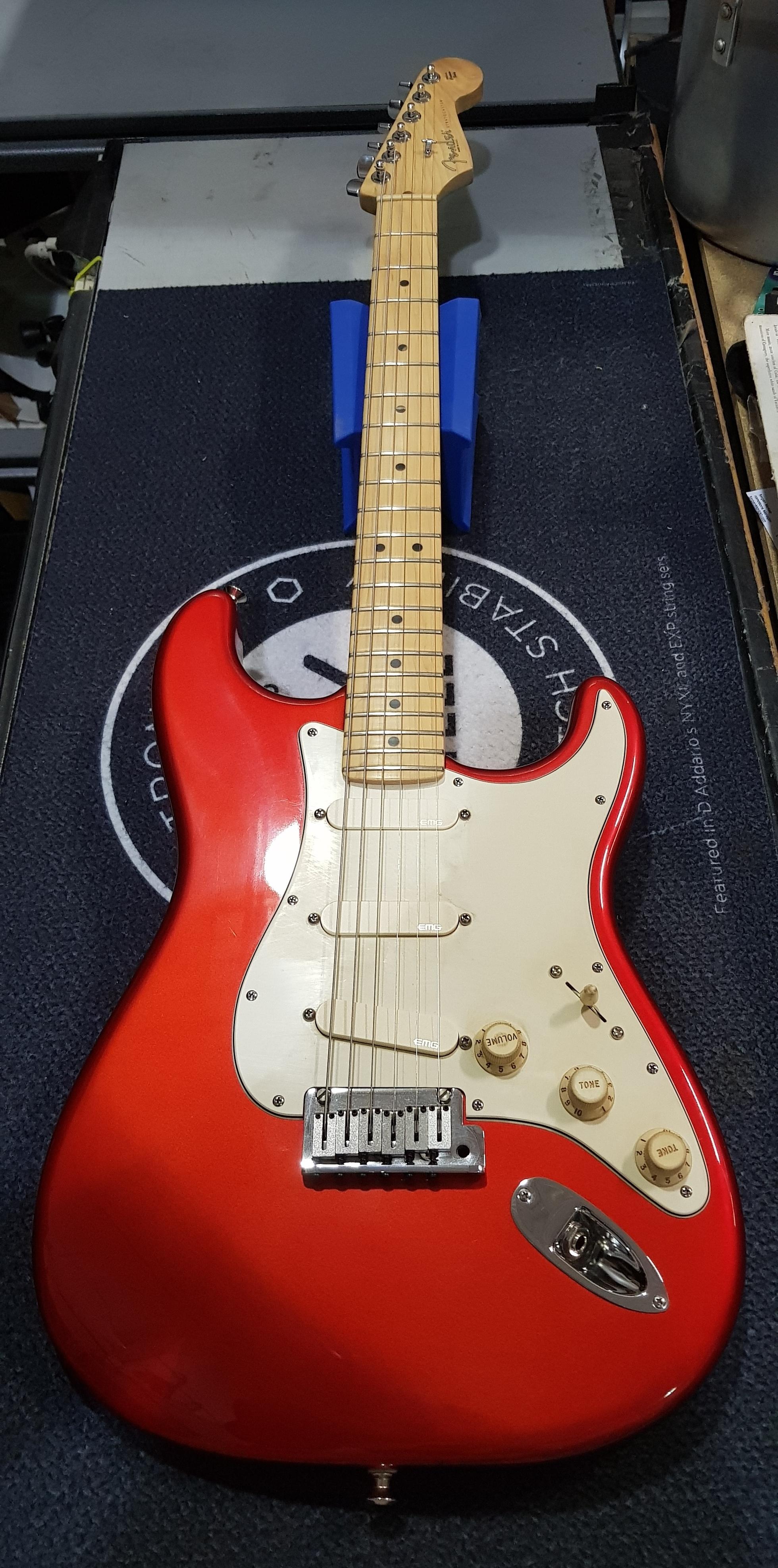 2003 FENDER AMERICAN STRATOCASTER Electric Guitar **HSC** EMG Pickups
