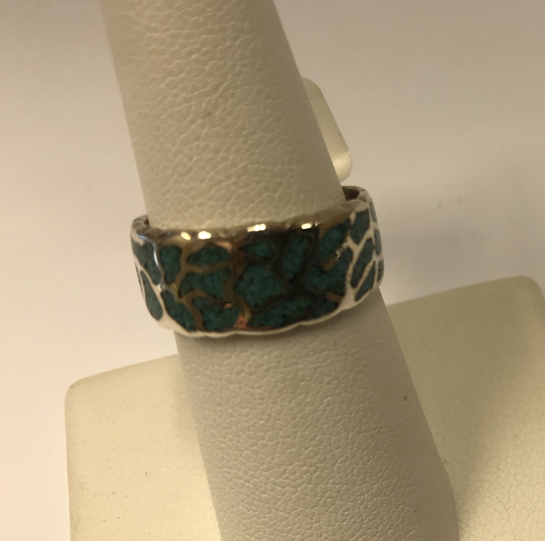VINTAGE ZUNI OR NAVAJO STERLING SILVER CRUSHED TURQUOISE INLAY RING BAND SIZE 7