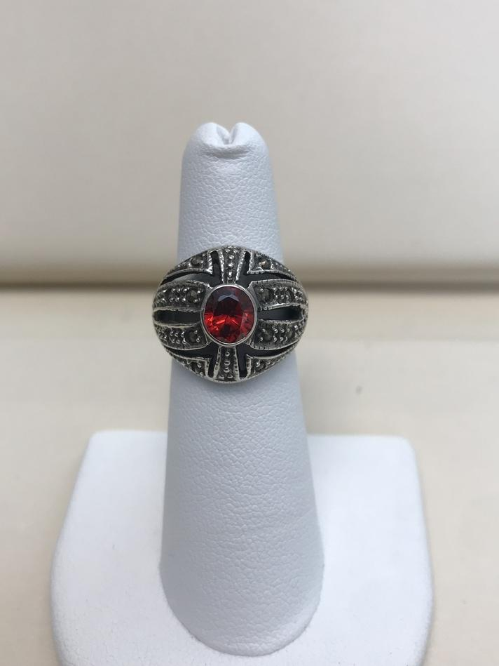 STERLING SILVER RING WITH RED STONE VINTAGE SIZE 5.5