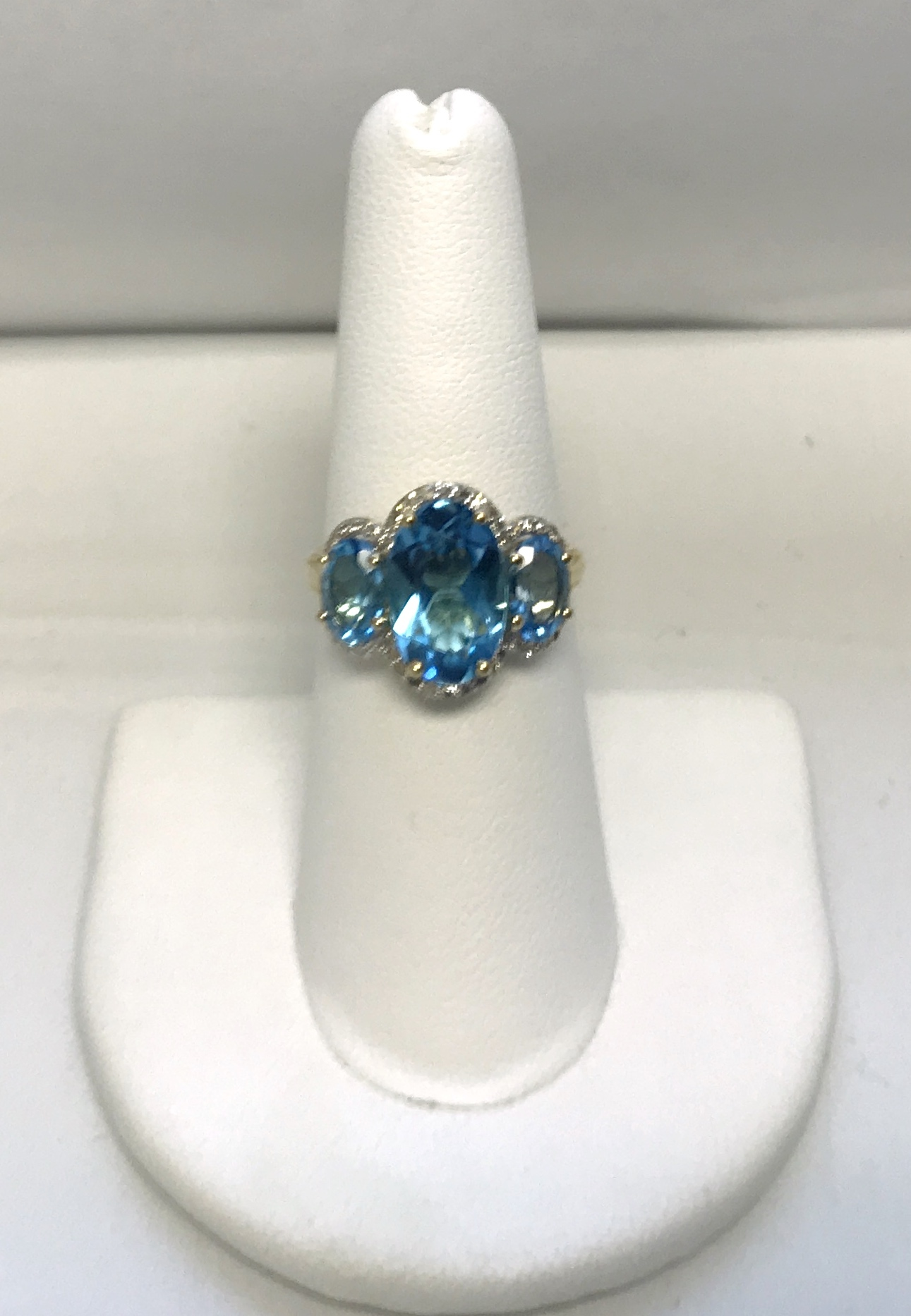 Yellow Gold Diamonds and Topaz Cocktail Ring 10K