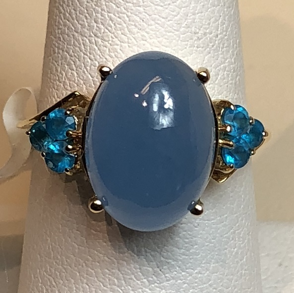 14K Yellow Gold 4.6g Blue Cabochon Ring with Blue Round Stones