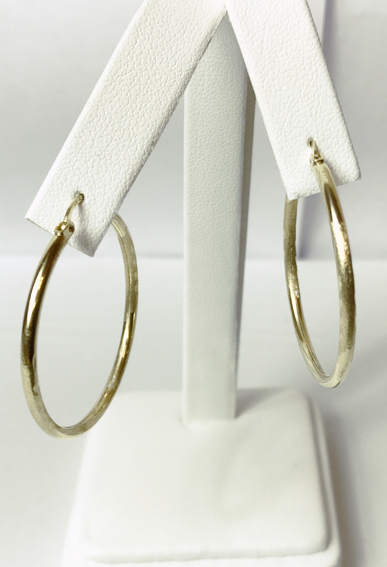14K Yellow Gold 3.4g Hoop Earrings