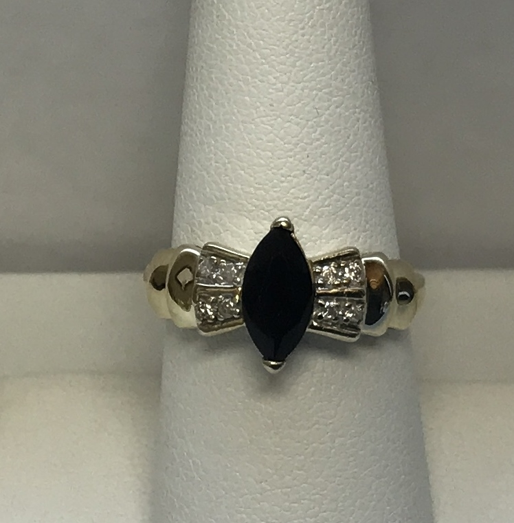 Cocktail Ring with Diamonds and Black Stone 10K Yellow Gold 3.6g