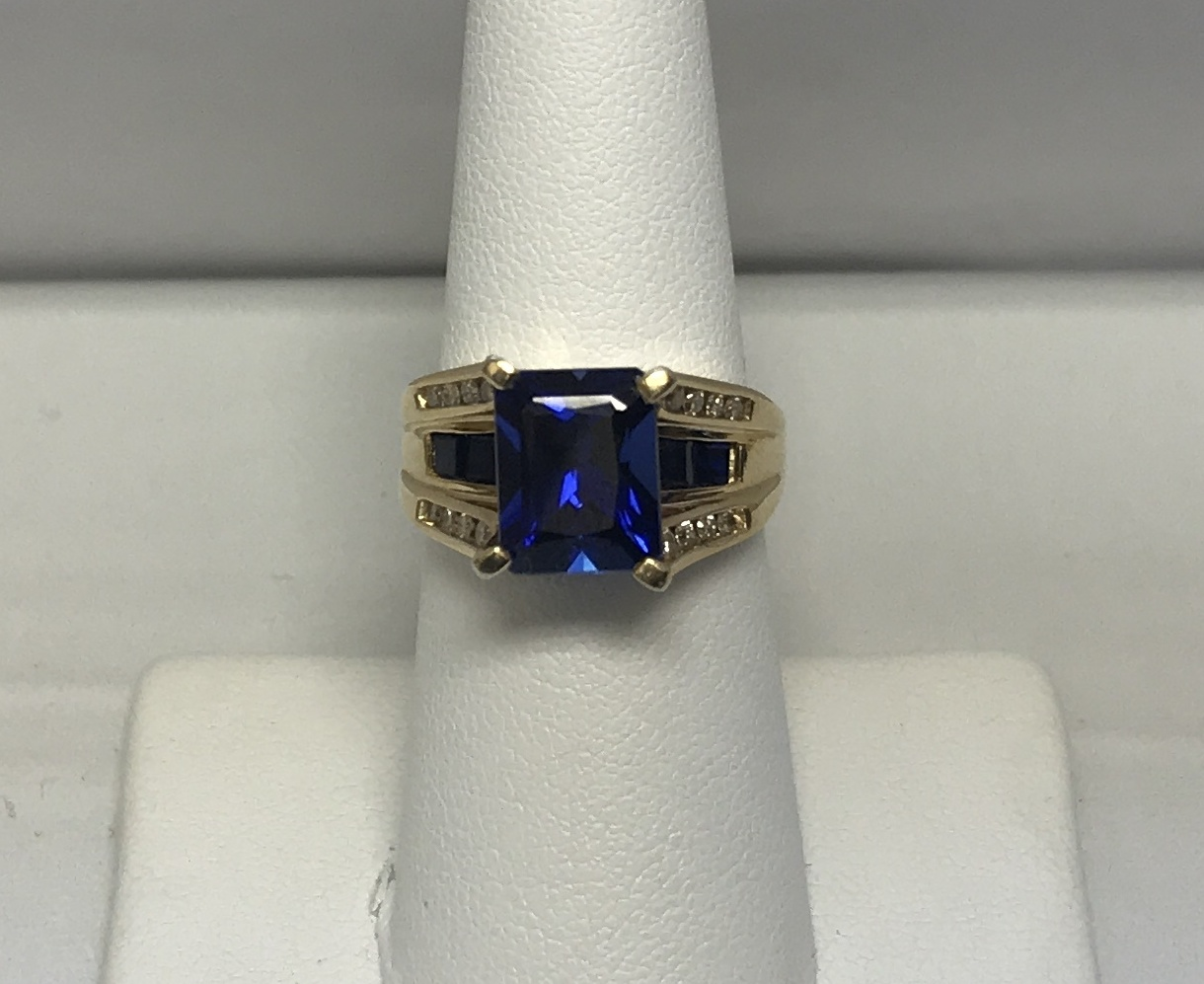 Cocktail Ring with Diamonds and Dark Blue Stone 10K Yellow Gold 6.7g