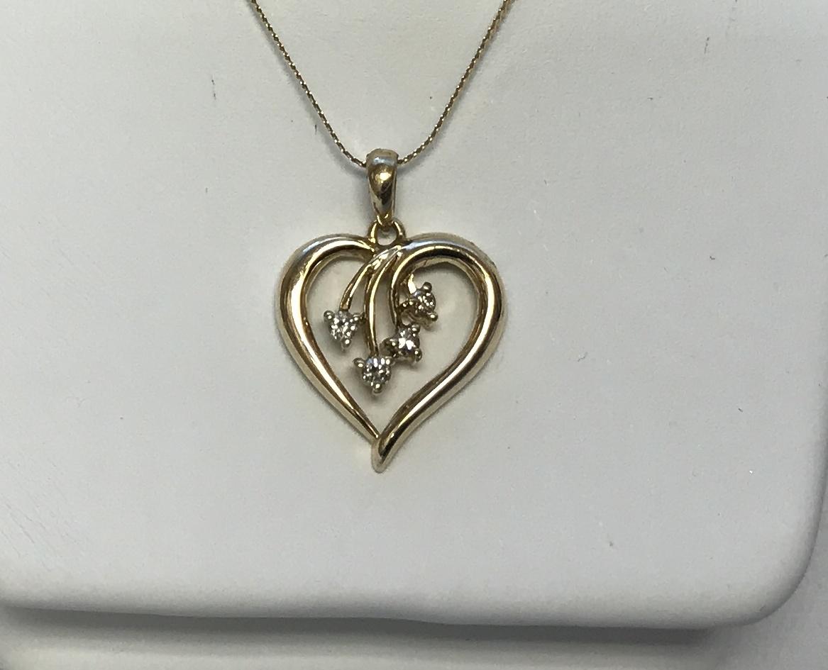 Heart Pendant with Diamonds 14K Yellow Gold 1.6g