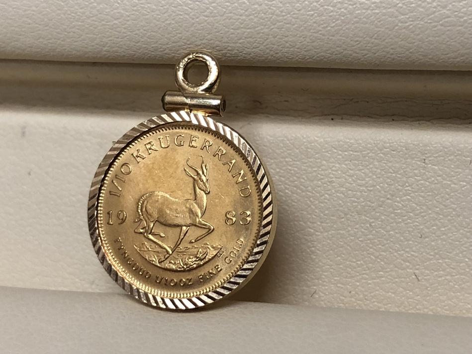 1/10 OZ GOLD KRUGGERAND COIN 22K WITH BEZEL