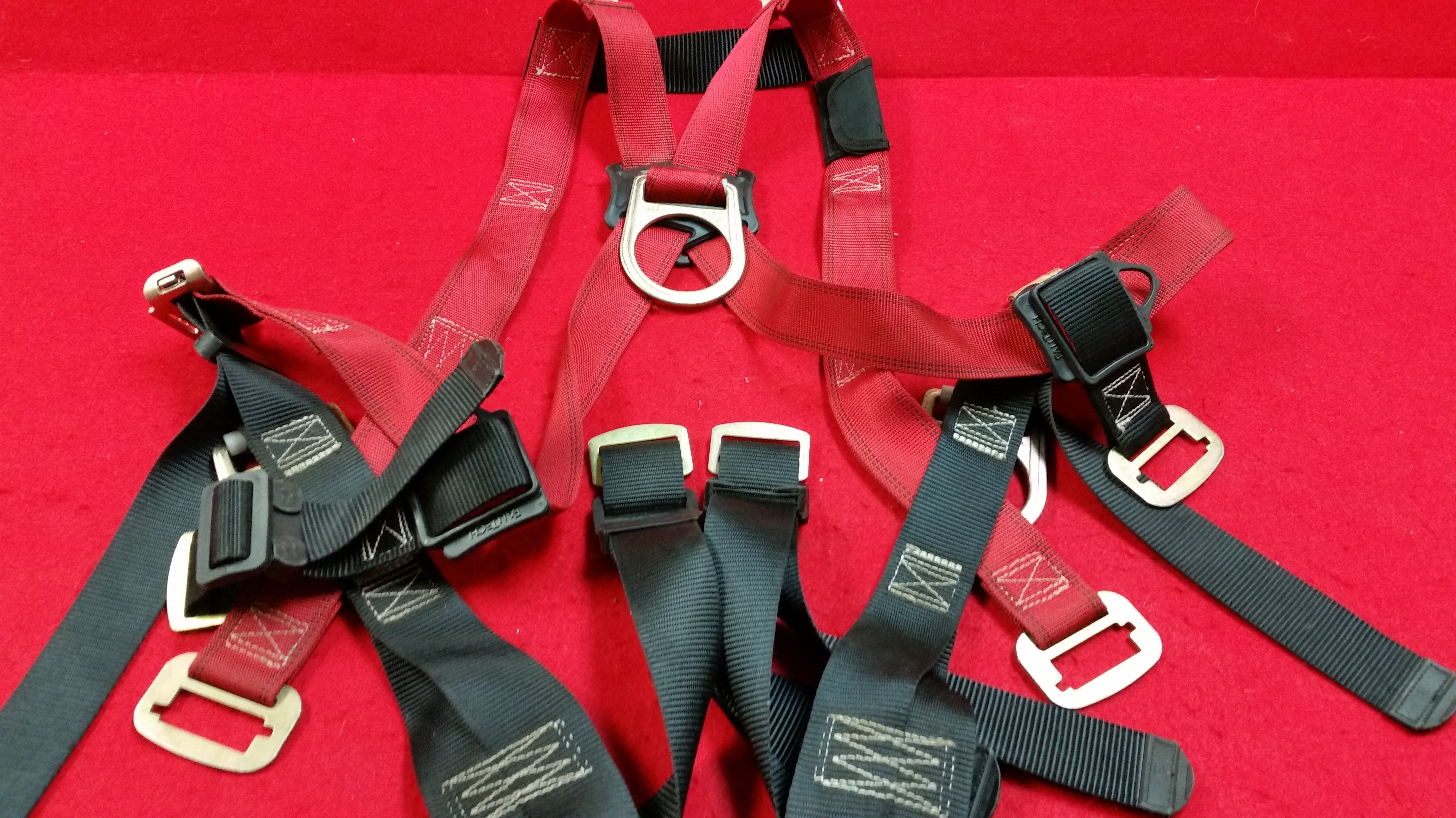 CLIMBING ACCESSORIES: FALLTECH FULL BODY HARNESS - S/M SIZE