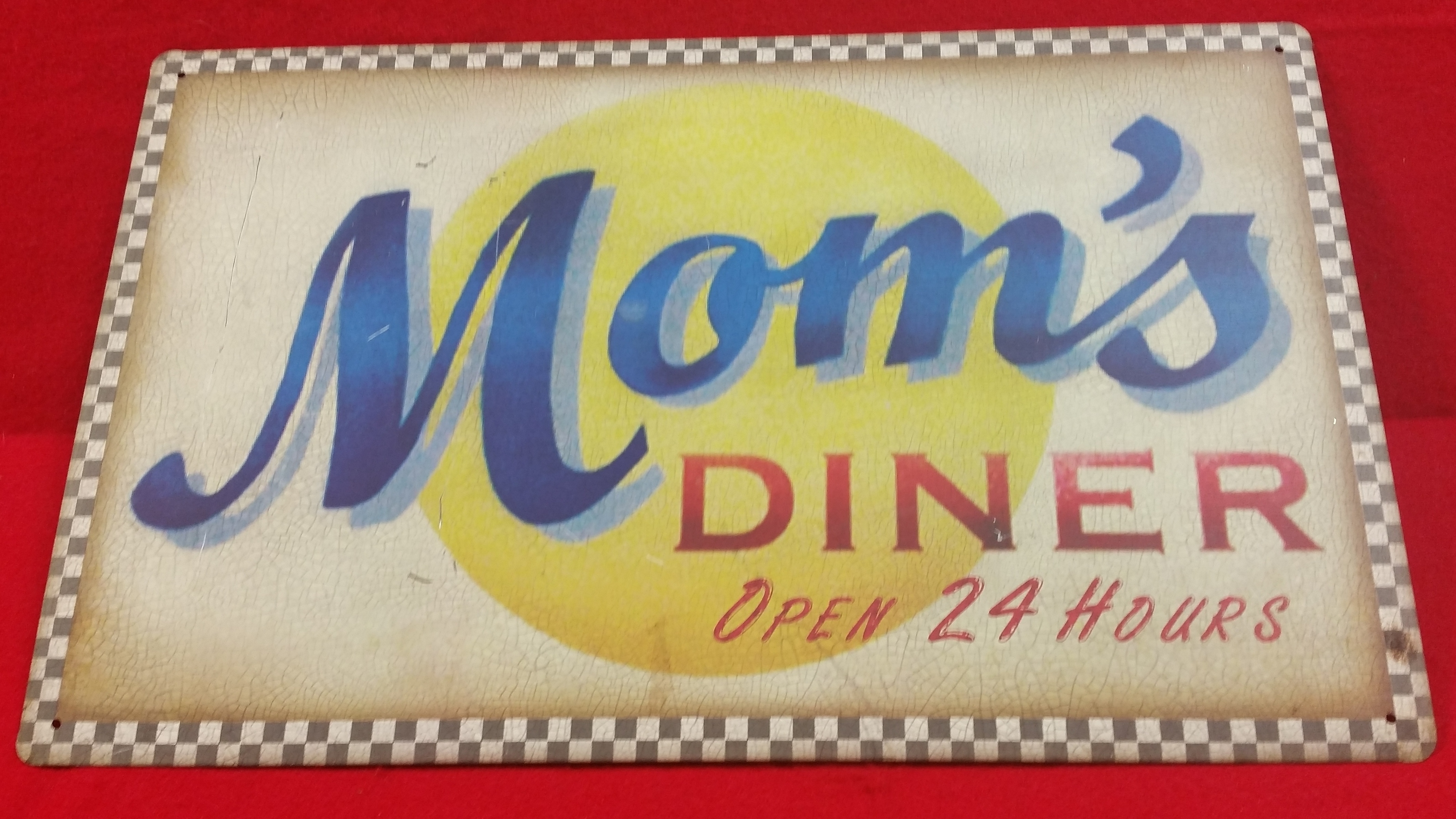 VINTAGE STYLE TIN SIGN - MOMS DINER - SIGN COLLECTIBLES