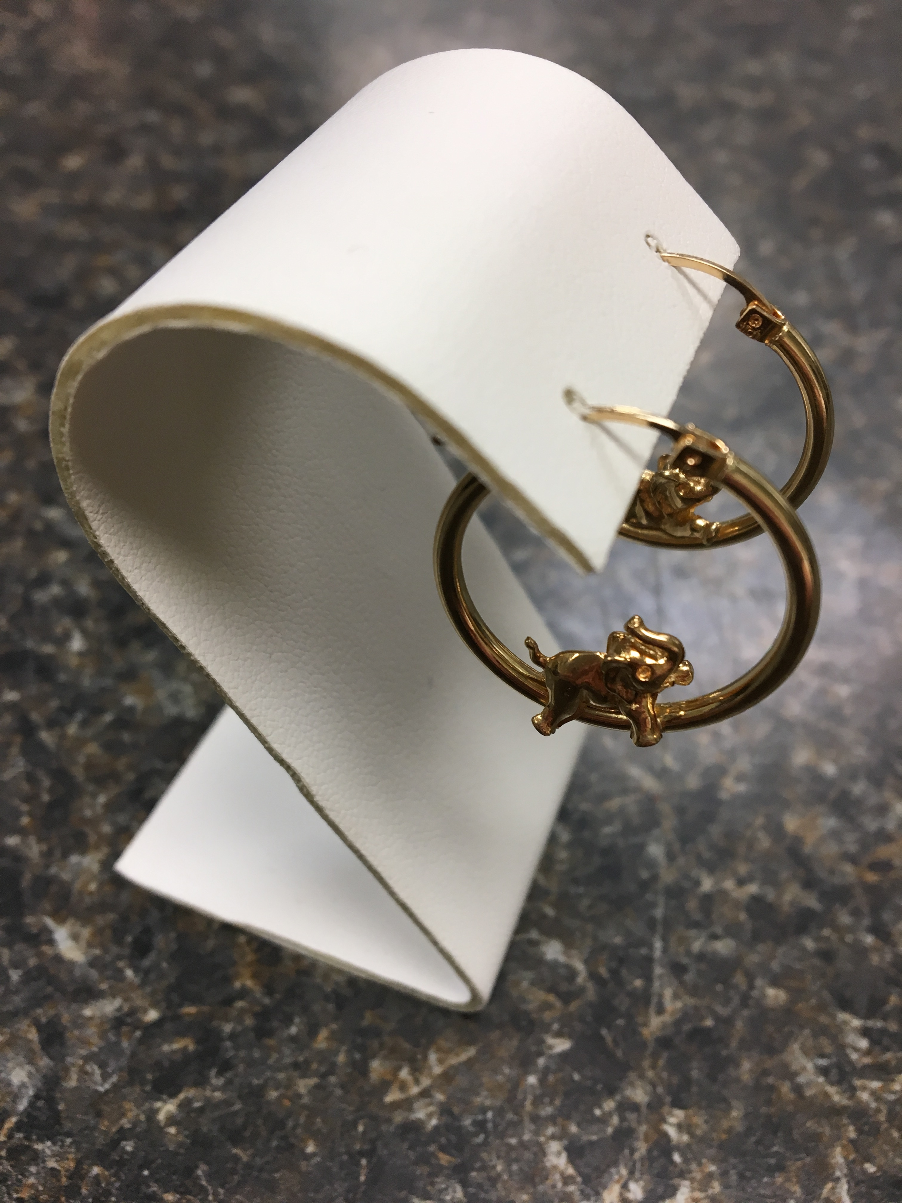 10 KT YELLOW GOLD HOOP EARRINGS WITH ELEPHANTS INSIDE. 2.21 DWT