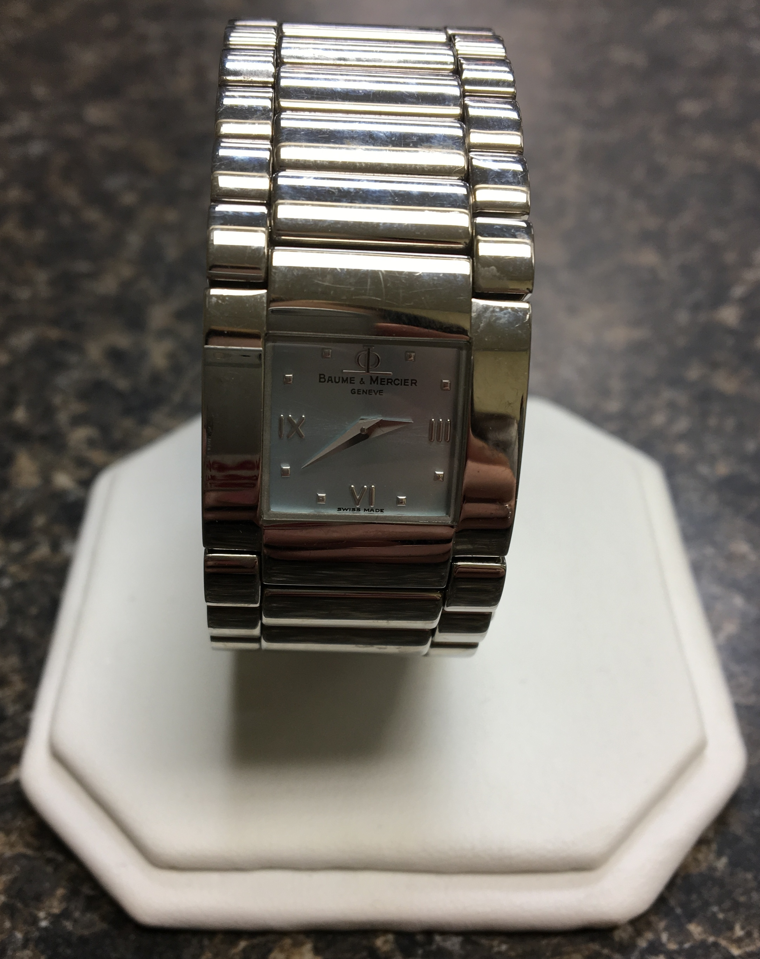 JEWELRY: BAUME & MERCIER STAINLESS STEEL WATCH - MV045197