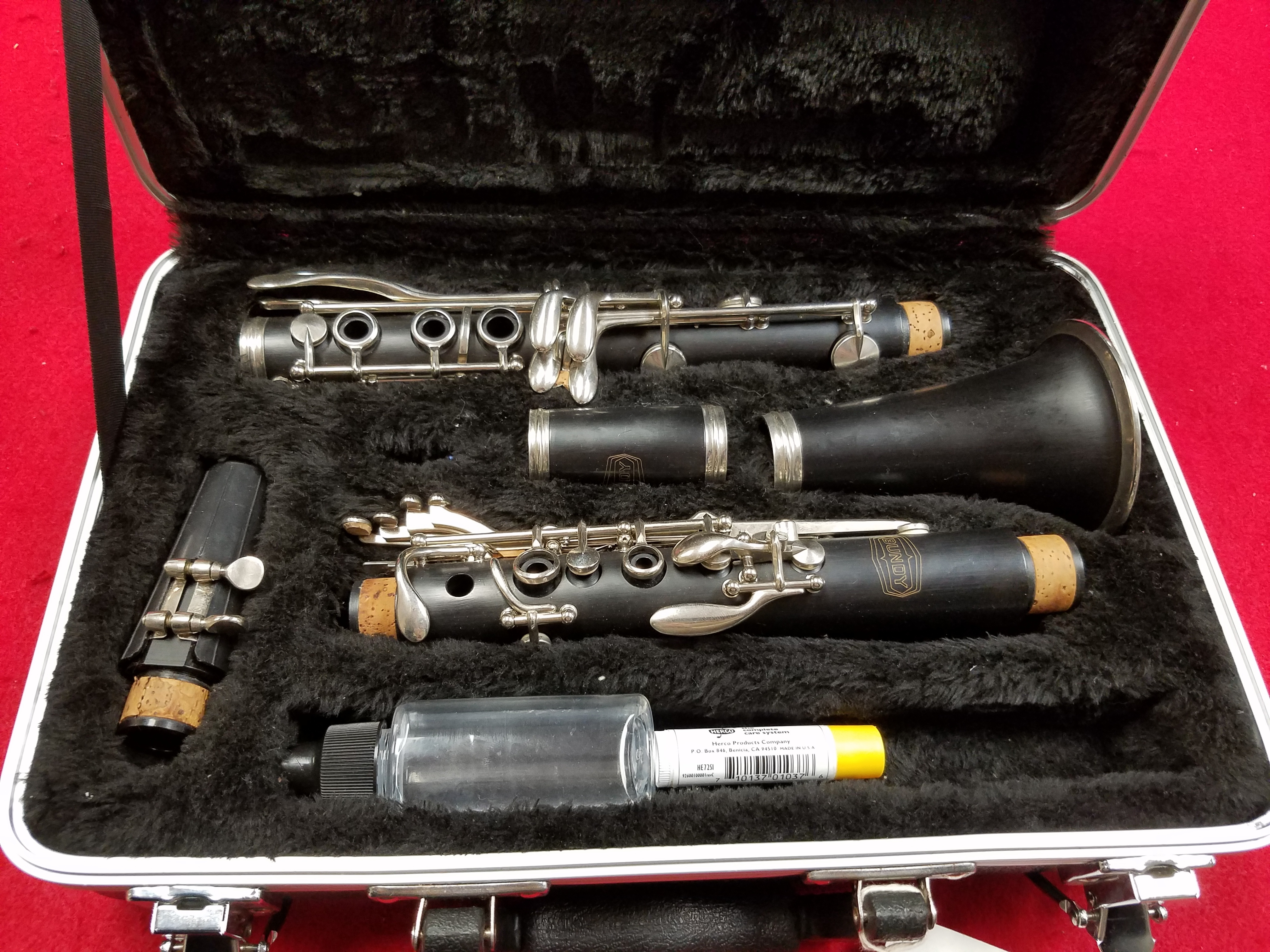 BUNDY - BCL-300 - CLARINET MUSICAL INSTRUMENT