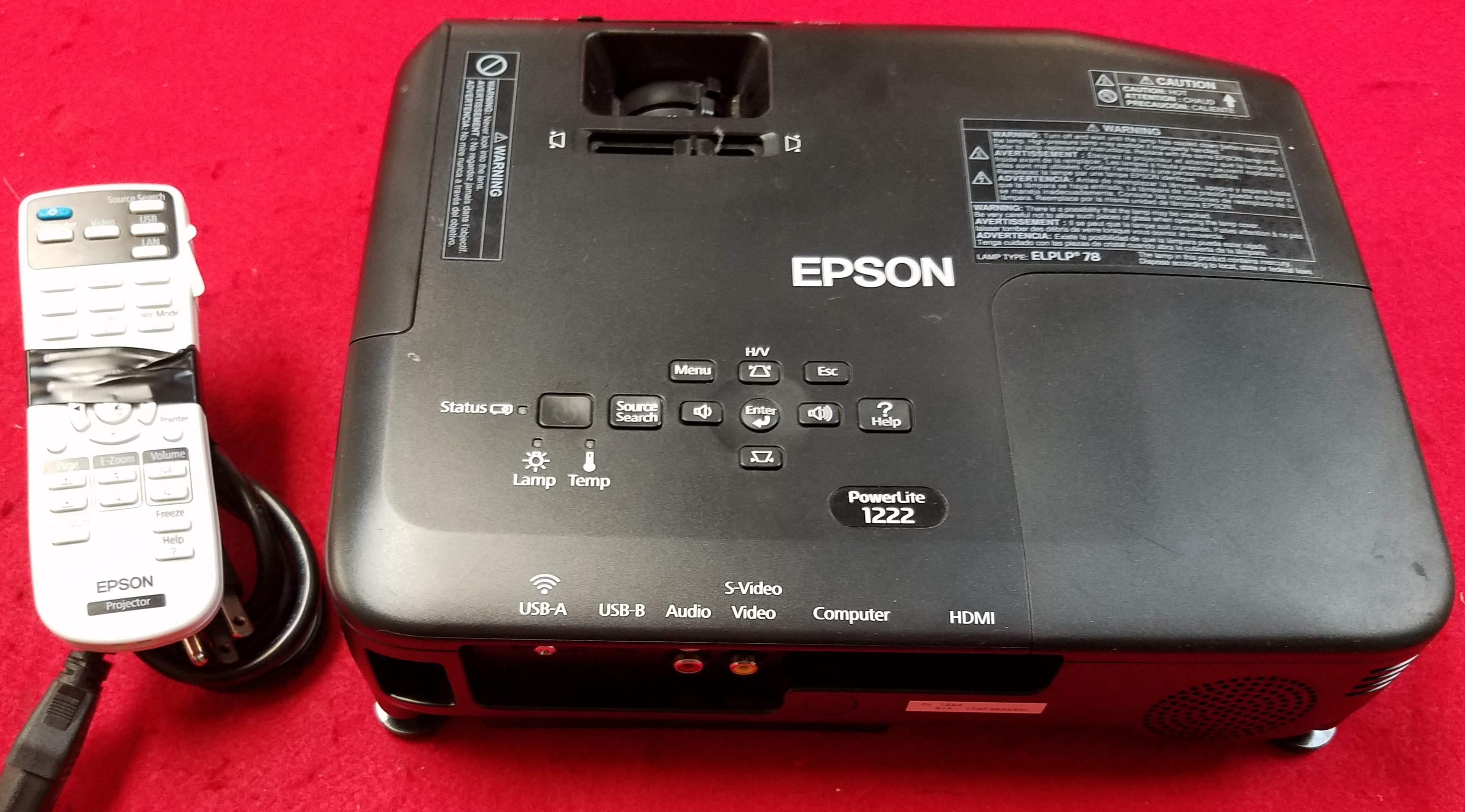 EPSON - H551F PROJECTOR W/POWER CORD AND REMOTE