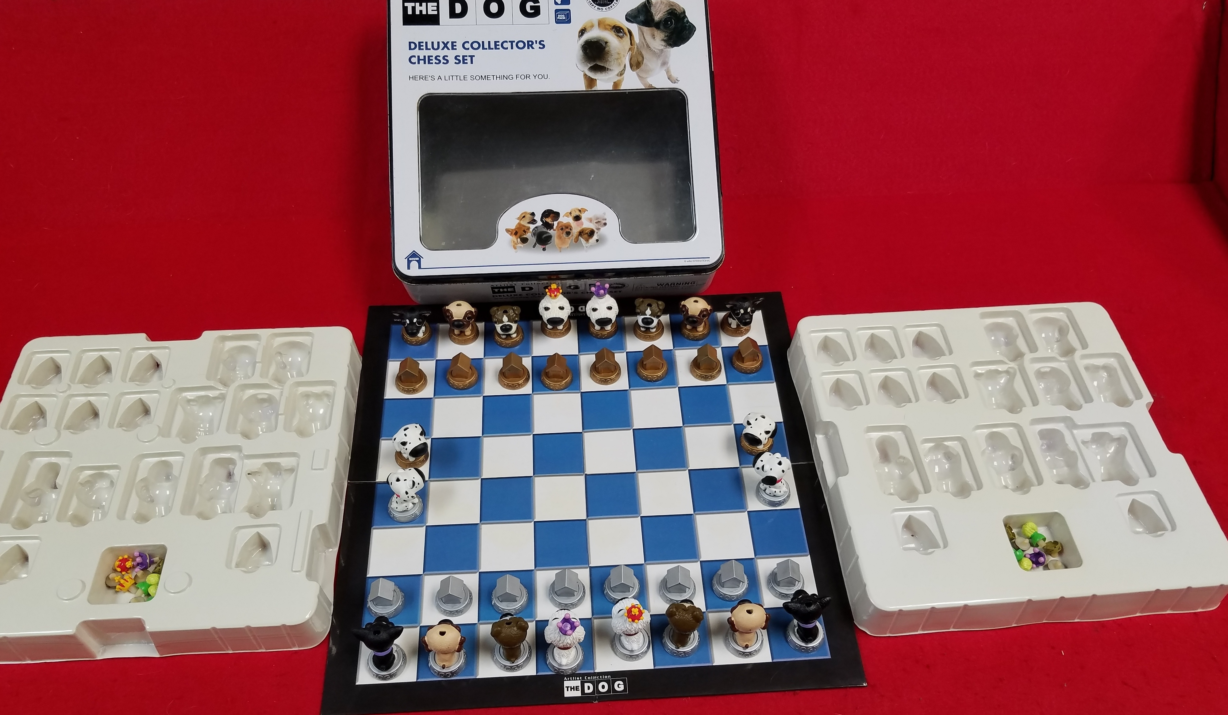 THE DOG ARTIST COLLECTION DELUXE COLLECTORS CHESS SET