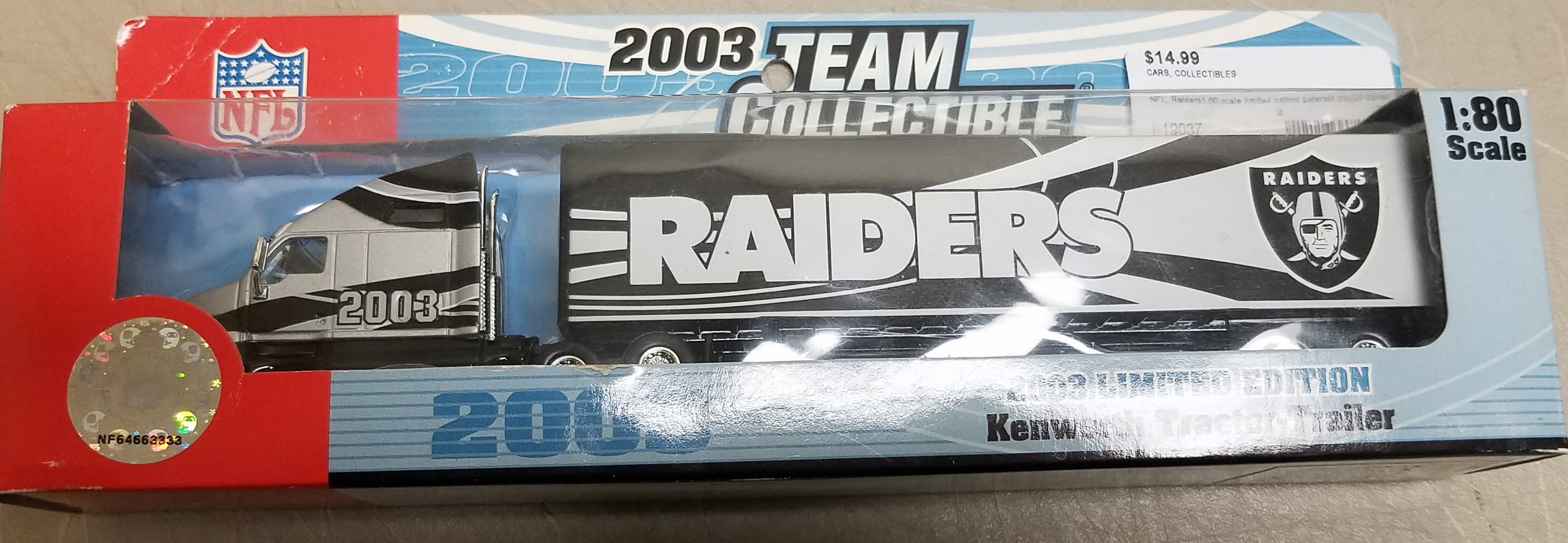 NFL COLLECTIBLES - 2003 OAKLAND RAIDERS KENWORTH TRACTOR TRAILER 1:80 SCALE