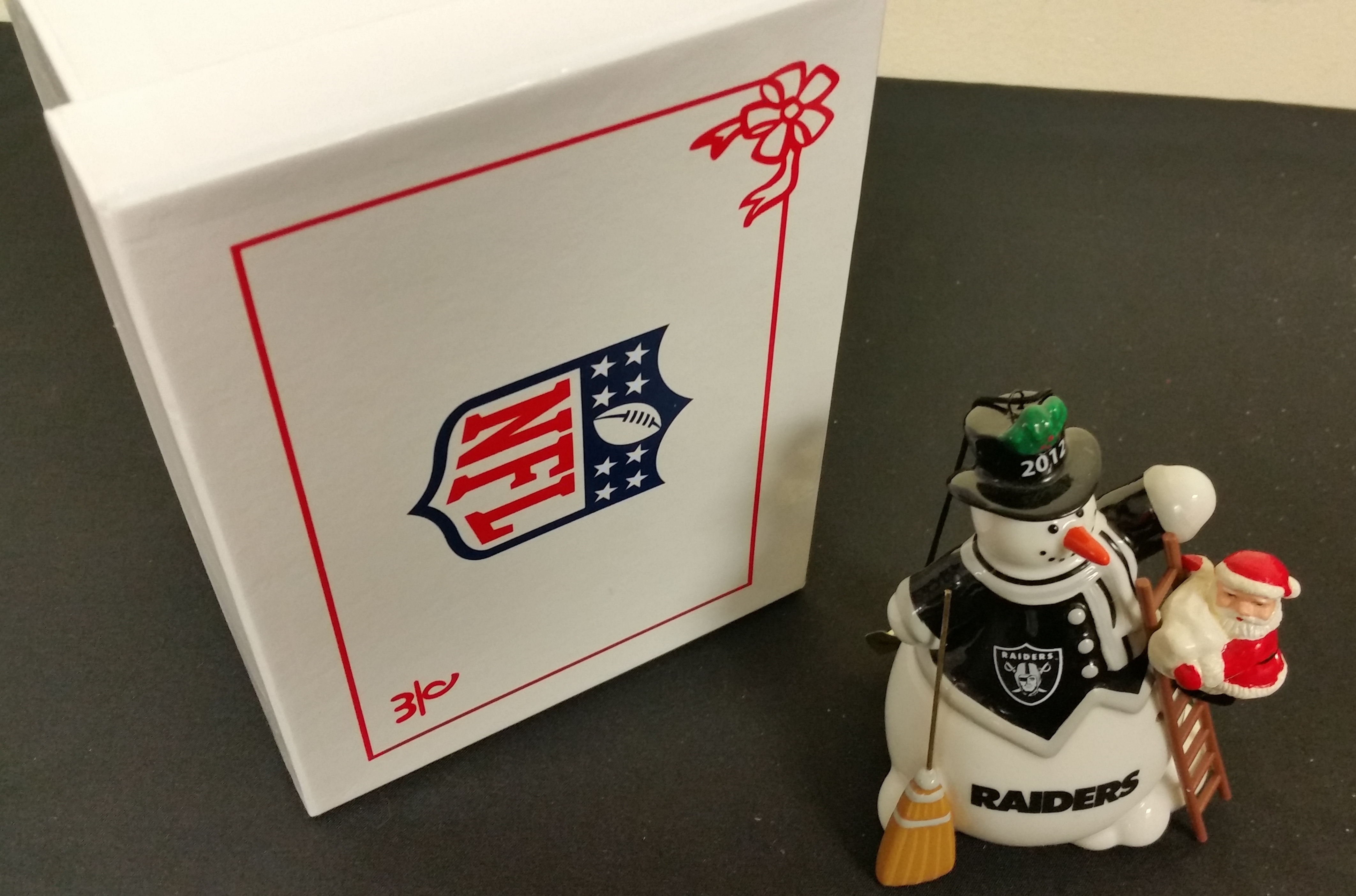 NFL COLLECTIBLES - 2012 RAIDERS SNOWMAN ORNAMENT