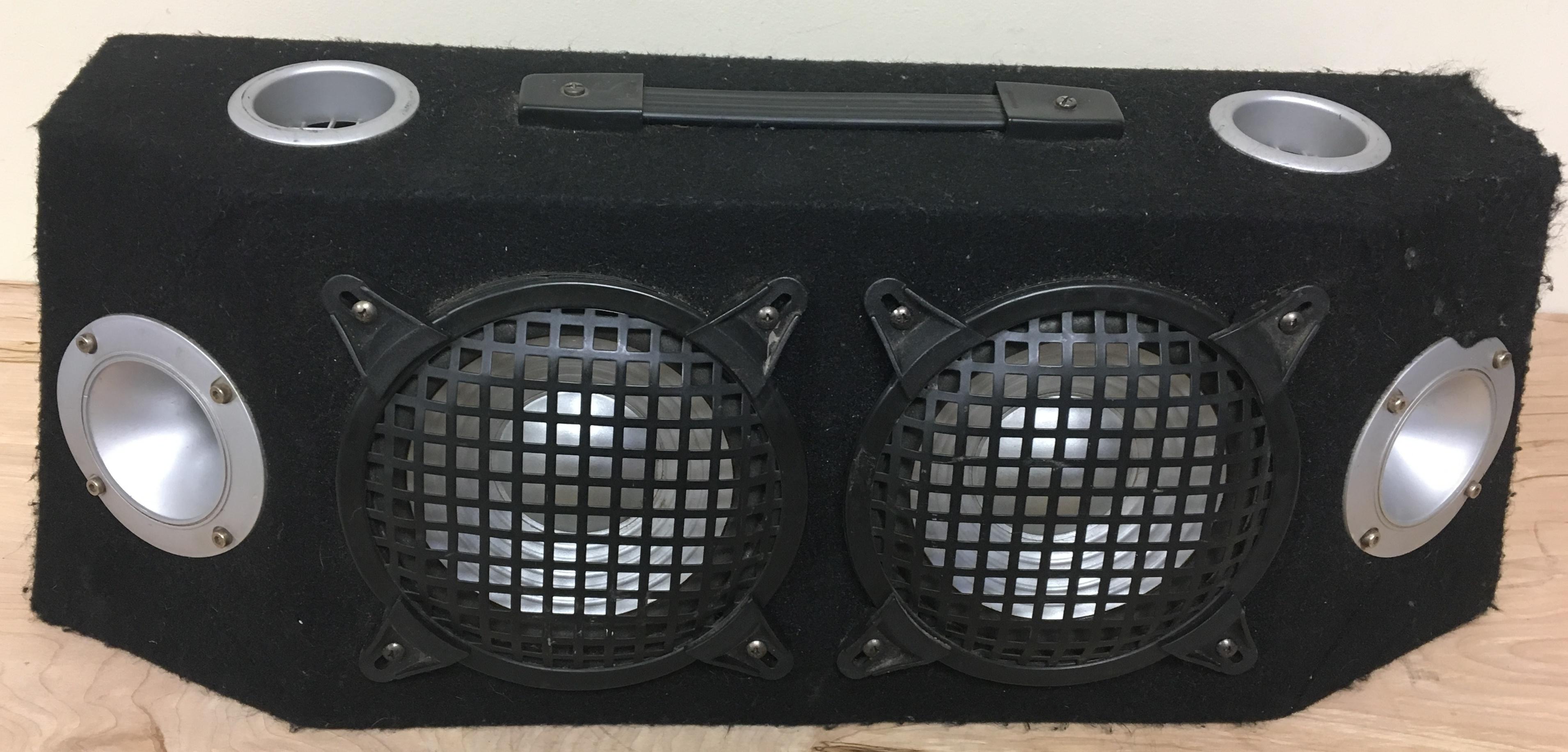 TWO 6IN BASE SPEAKERS IN ODD SHAPE BOX