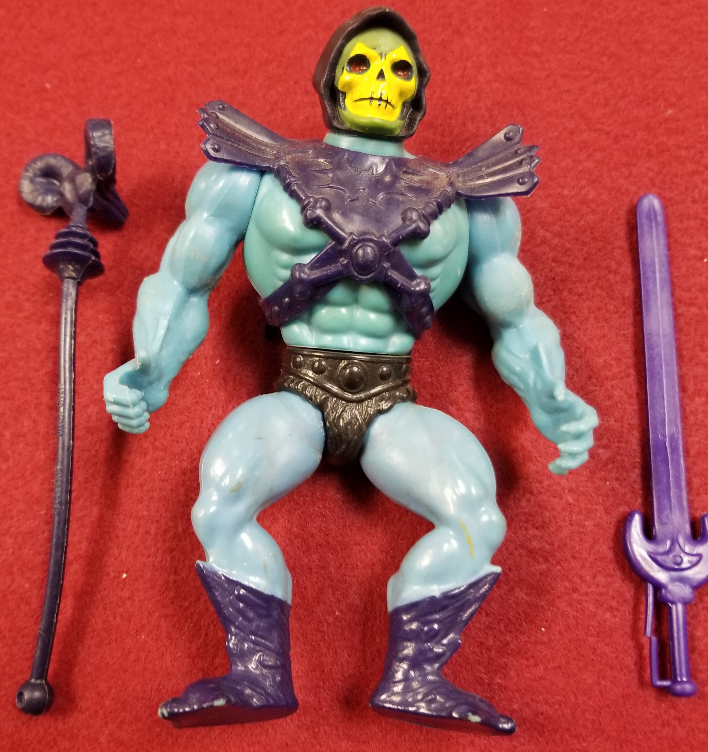 MASTERS OF THE UNIVERSE CLASSIC FIGURES - SKELETOR