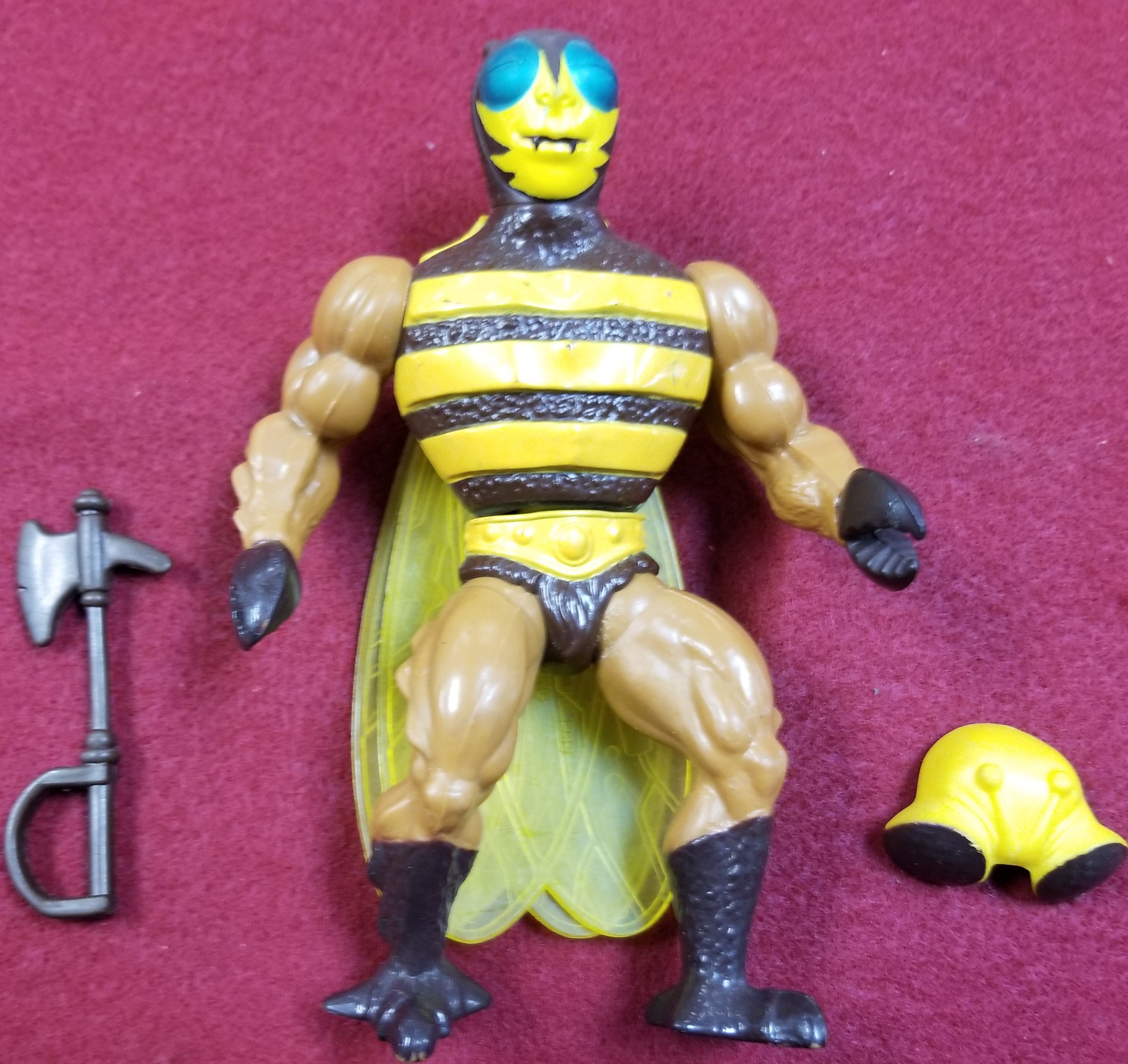 MASTERS OF THE UNIVERSE CLASSIC FIGURES - BUZZ-OFF