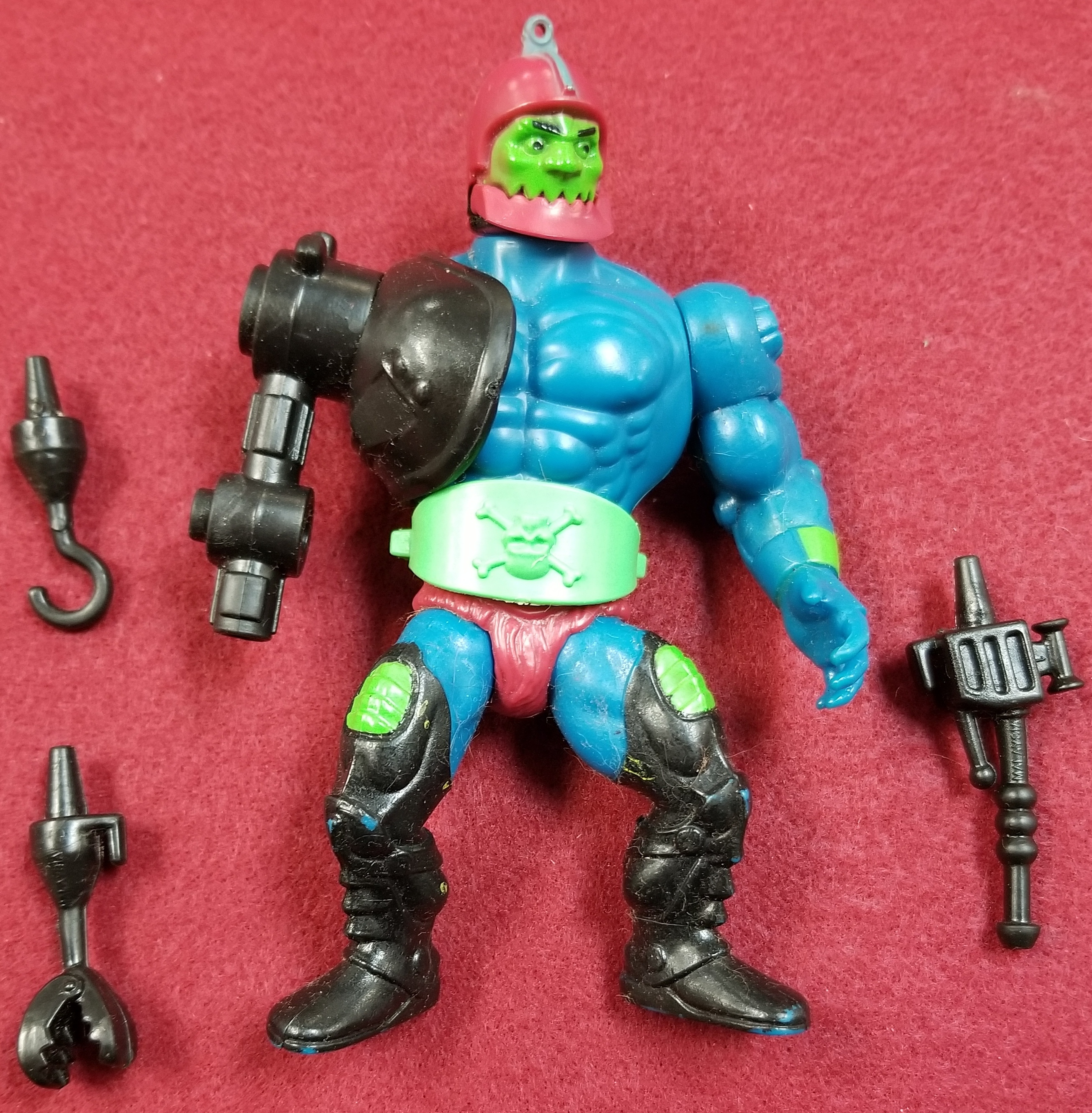 MASTERS OF THE UNIVERSE CLASSIC FIGURES - TRAP JAW