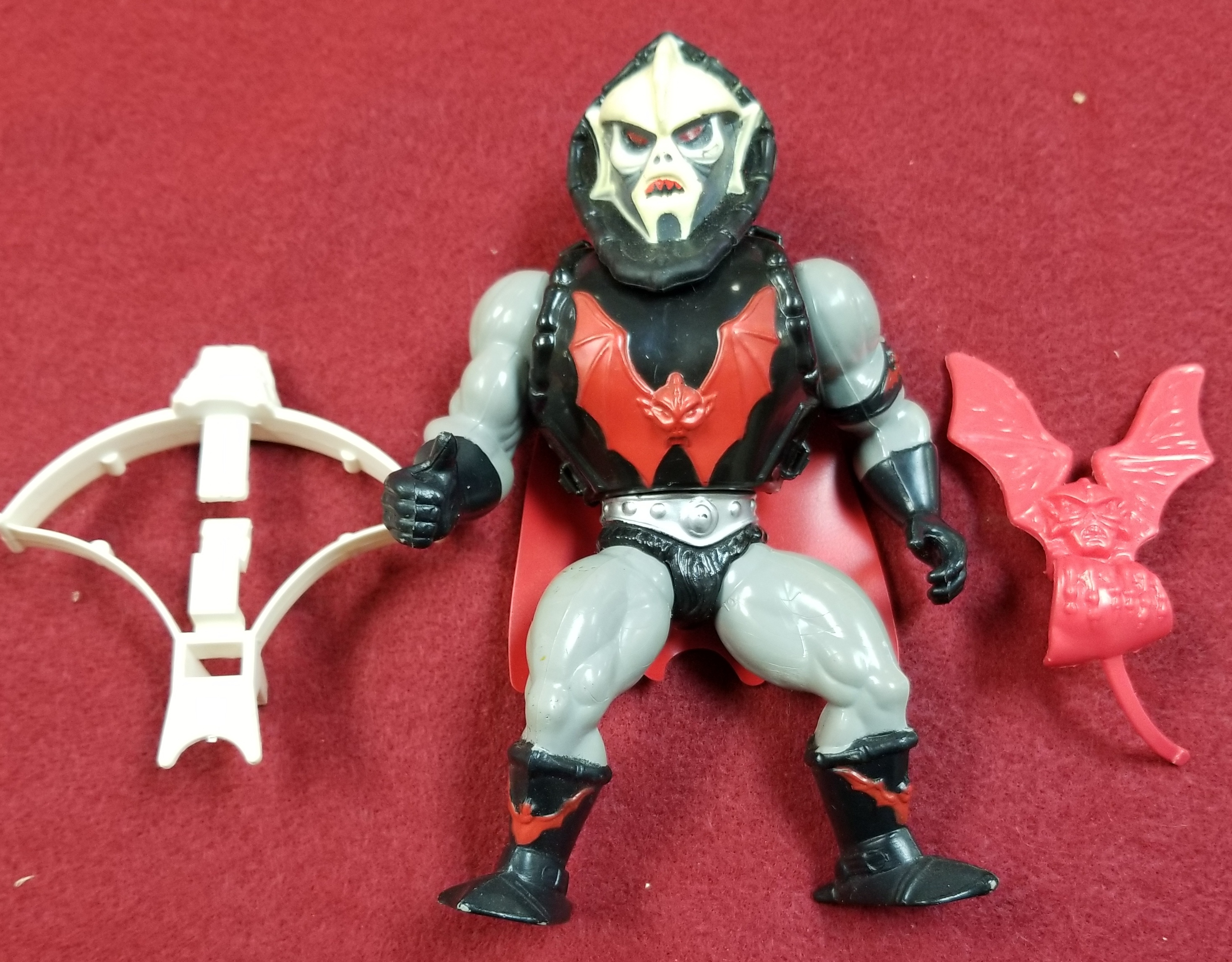 TOYS/COLLECTIBLES: MASTERS OF THE UNIVERSE CLASSIC FIGURES - HORDAK