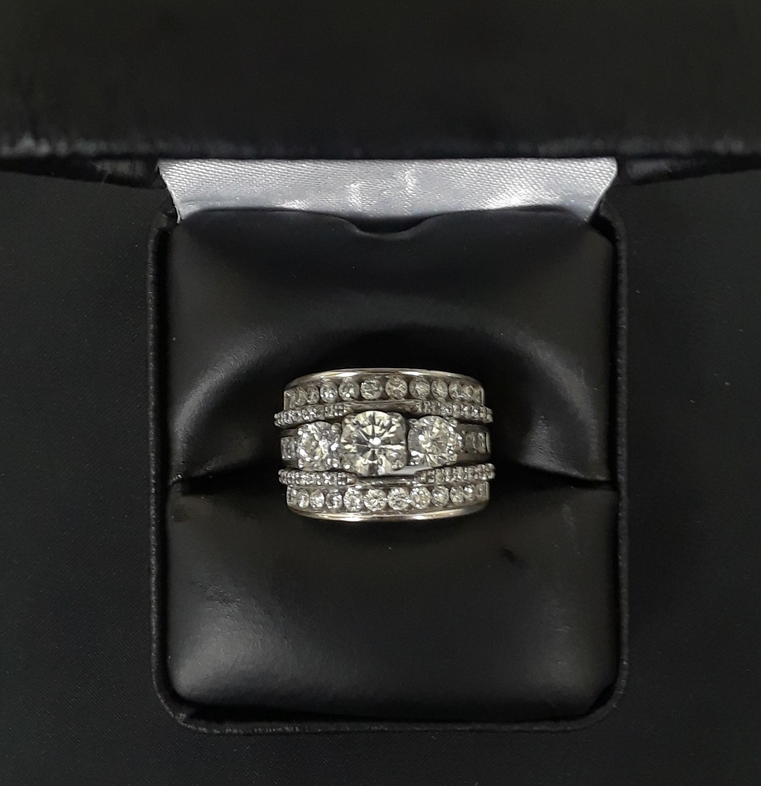 SIZE 5.5 14KT WHITE GOLD DIAMOND RING