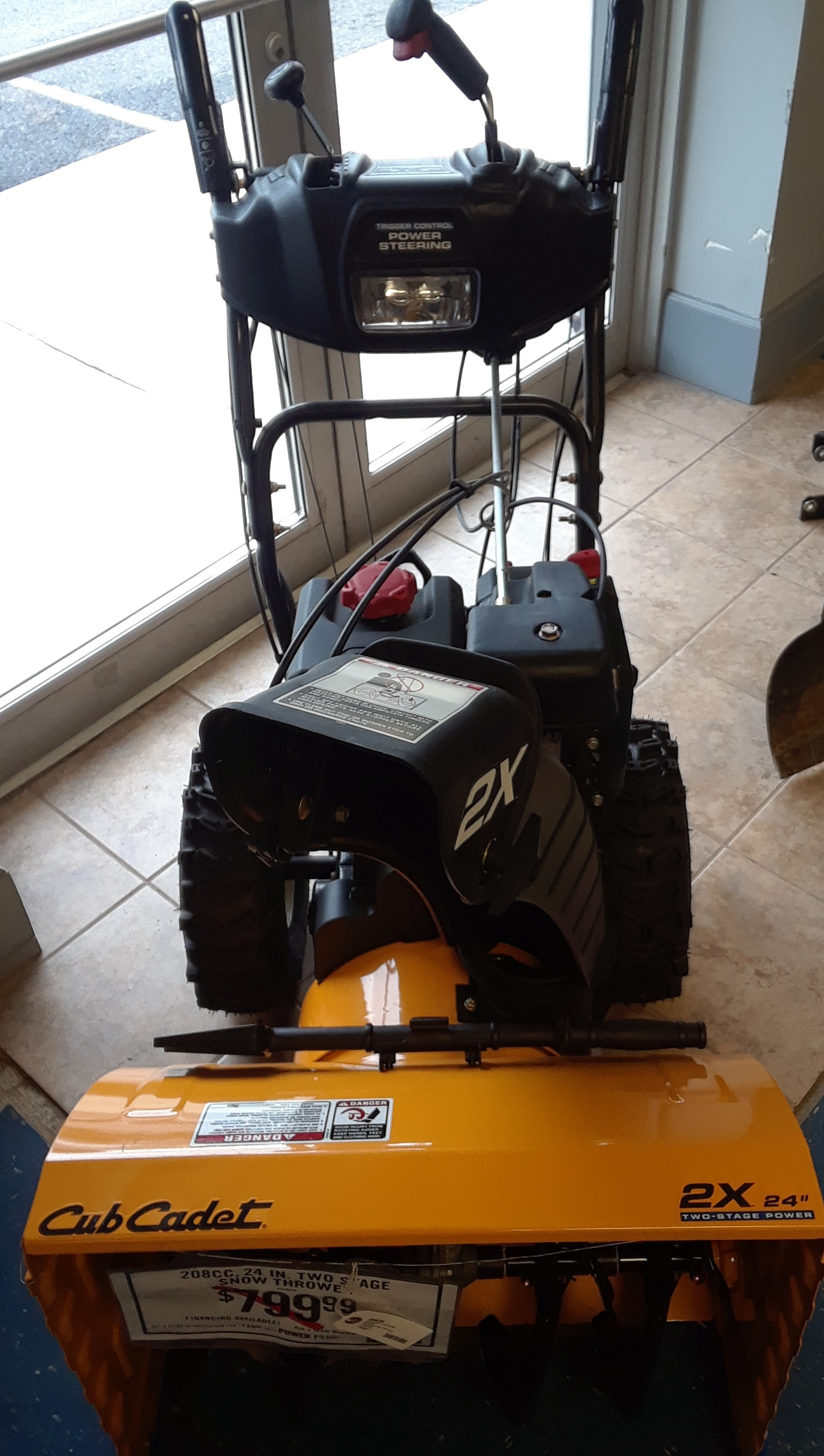 CUB CADET 208CC 24IN TWO STAGE SNOW THROWER