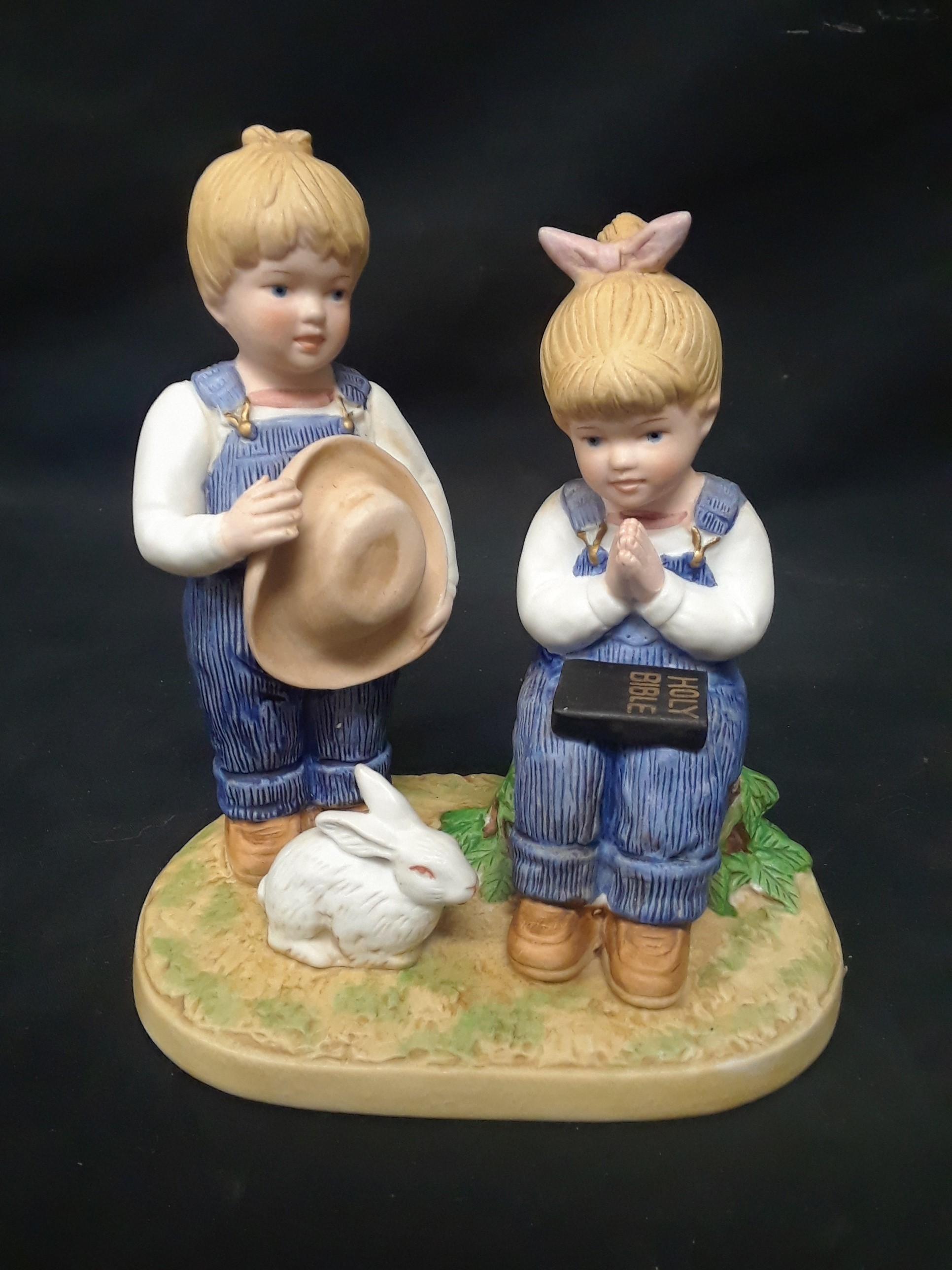 DENIM DAYS BY HOMCO 1985: TWO SMALL CHILDREN WITH A BUNNY