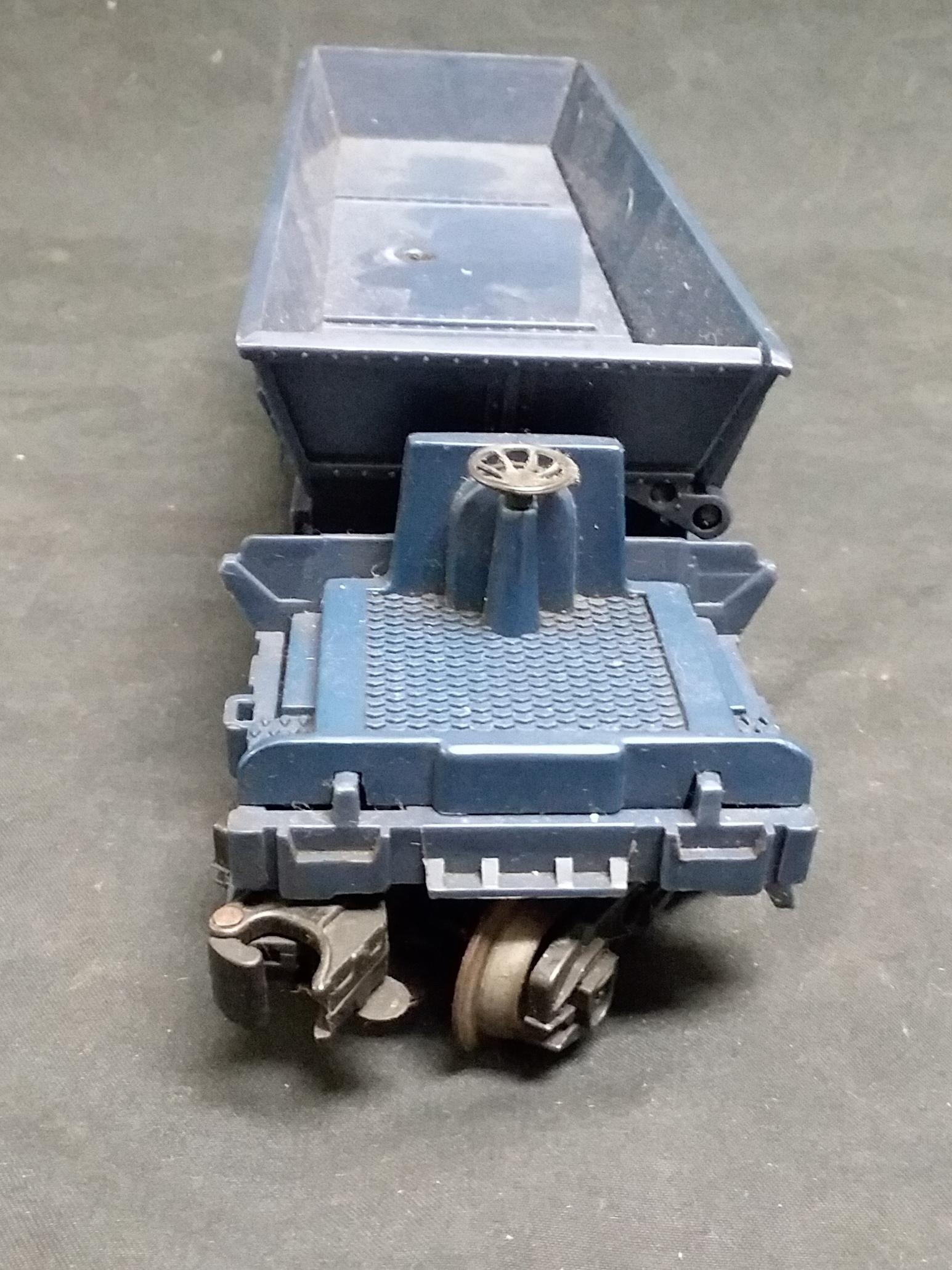 COLLECTIBLES: LIONEL - C&O OPERATING COAL DUMP CAR - 9304