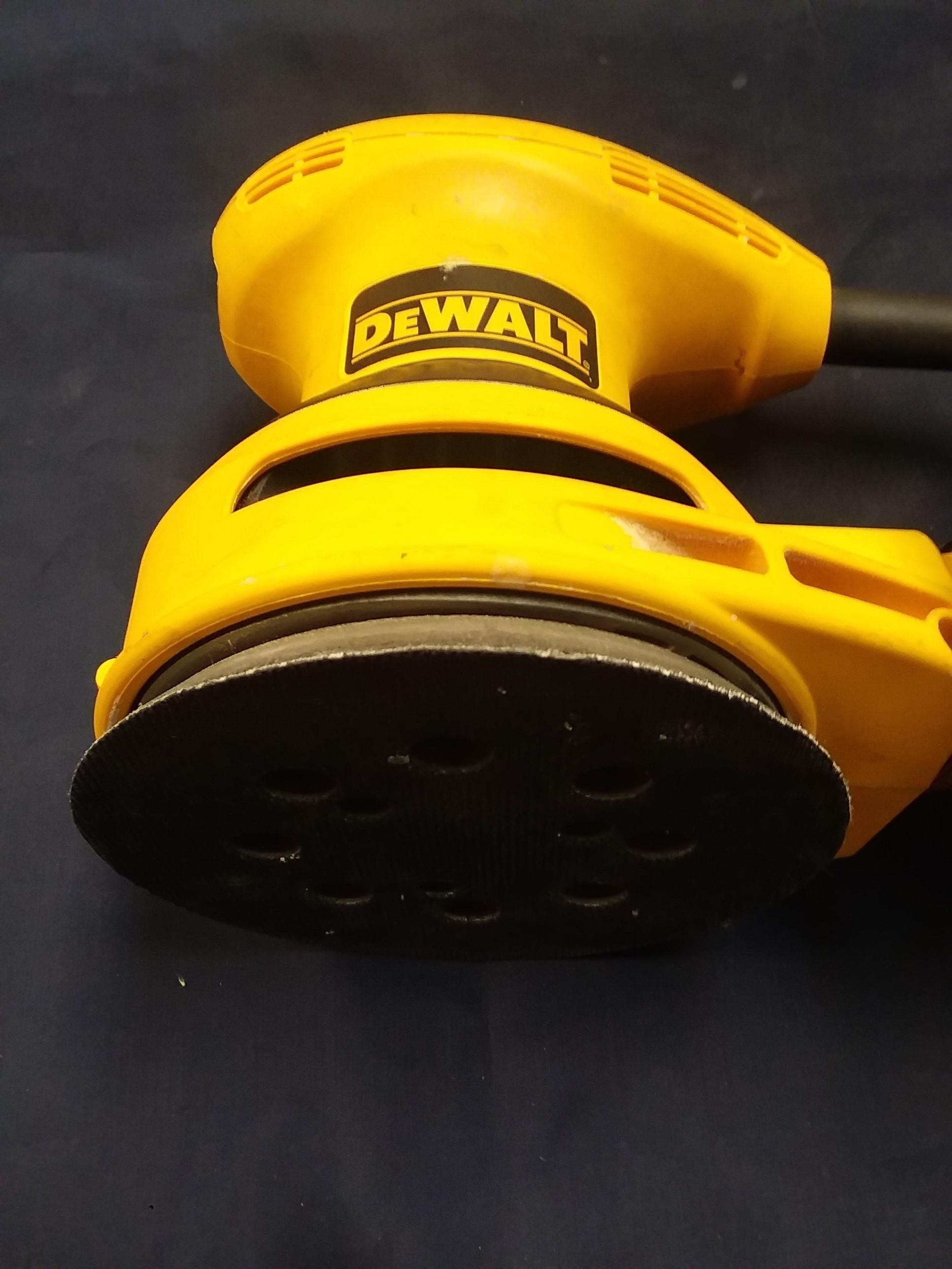 TOOLS: DEWALT - HEAVY DUTY 5