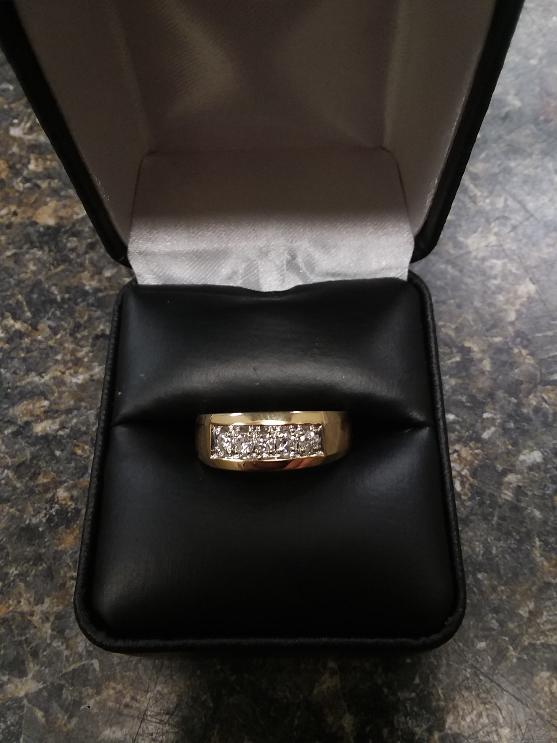 14 KT GOLD - YELLOW GOLD - RING - SIZE: 9