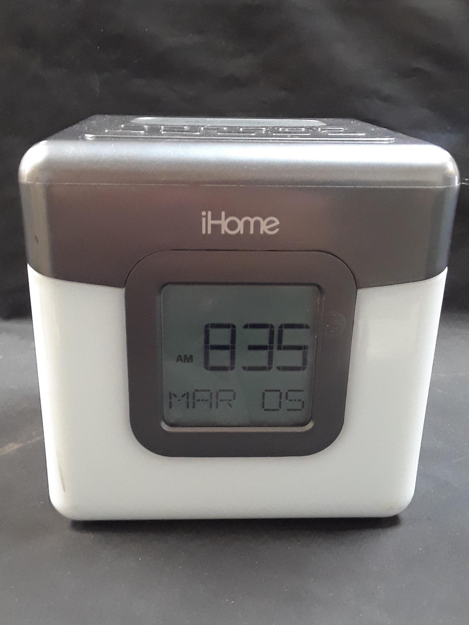 ELECTRONICS: IHOME SPEAKER - IBT28