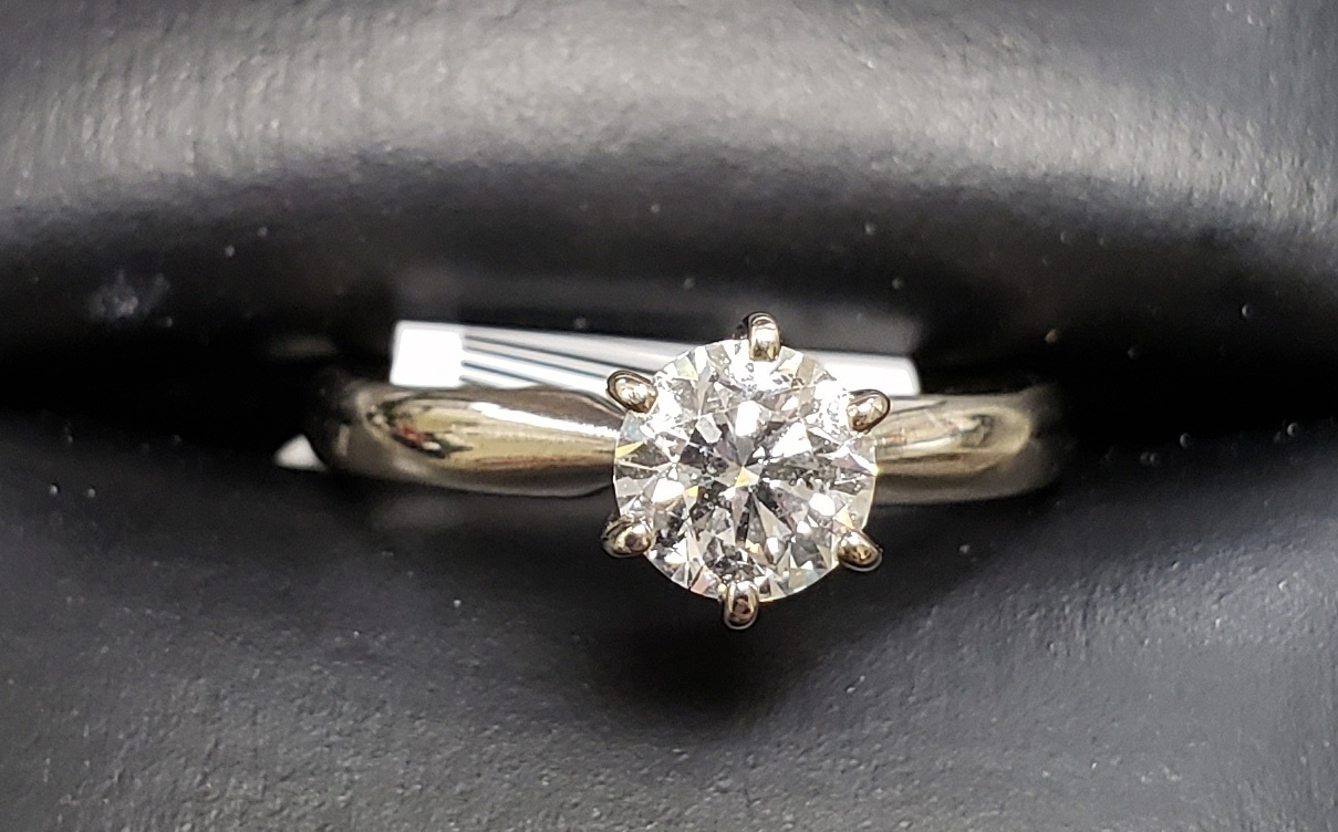14KT - WHITE GOLD - SIZE 5 - APPROXIMATELY 1/2 CTW ROUND SOLITAIRE DIAMOND RING