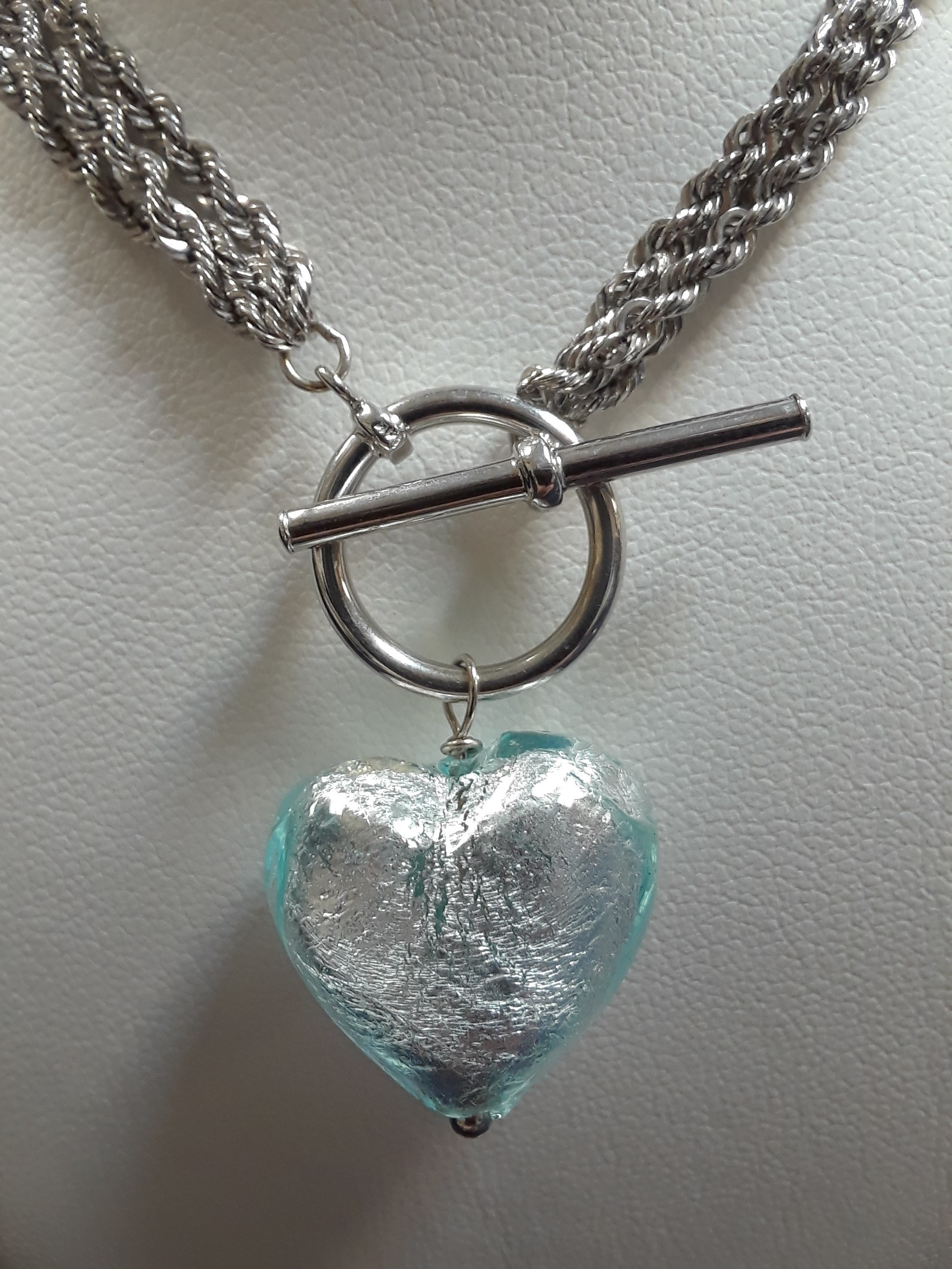 14KT WHITE GOLD TWIST ROPE NECKLACE WITH A BLUE HEART PENDANT