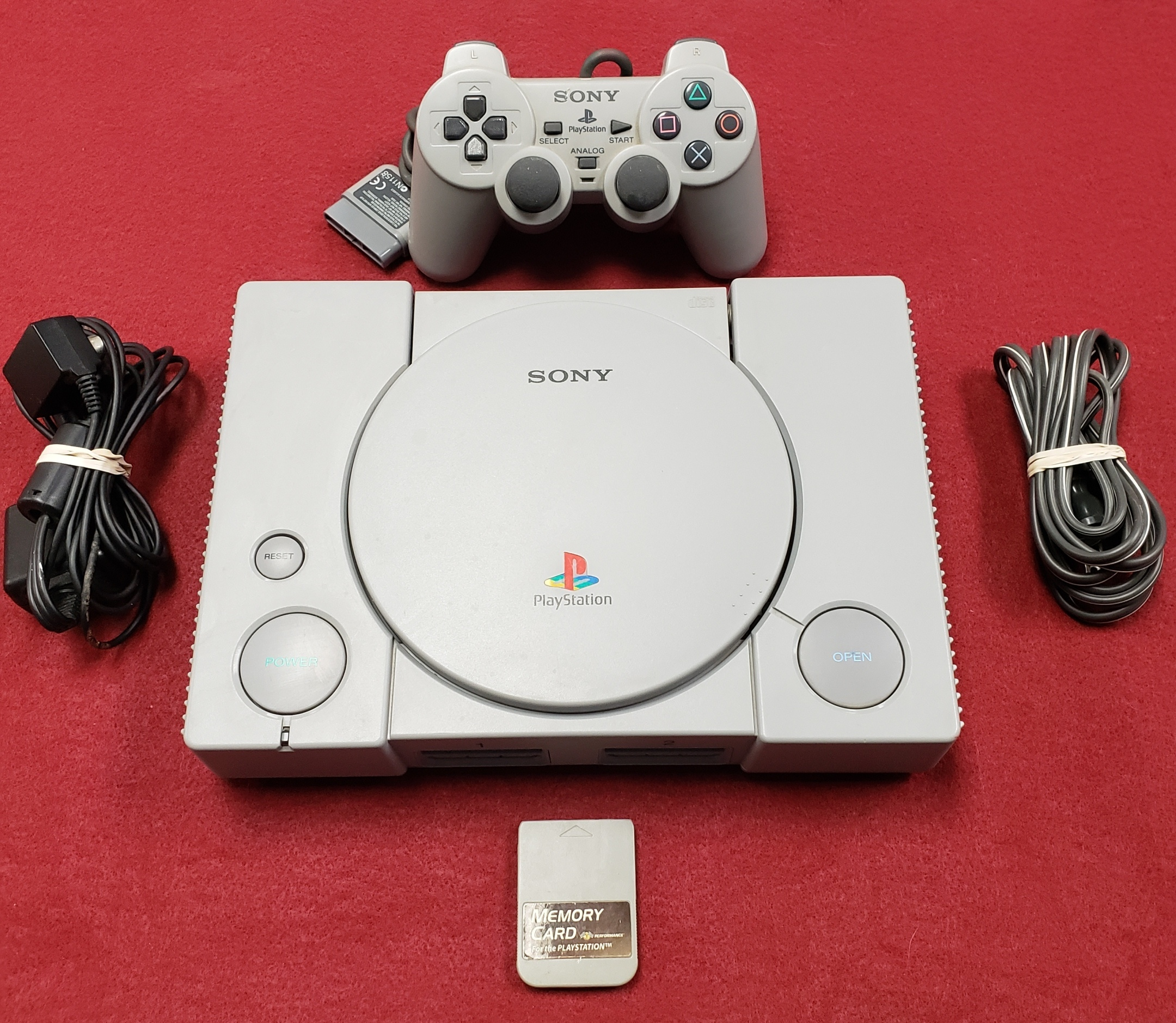 ELECTRONICS - GAMES - GAME SYSTEMS - PSONE - SONY - SCPH-7001