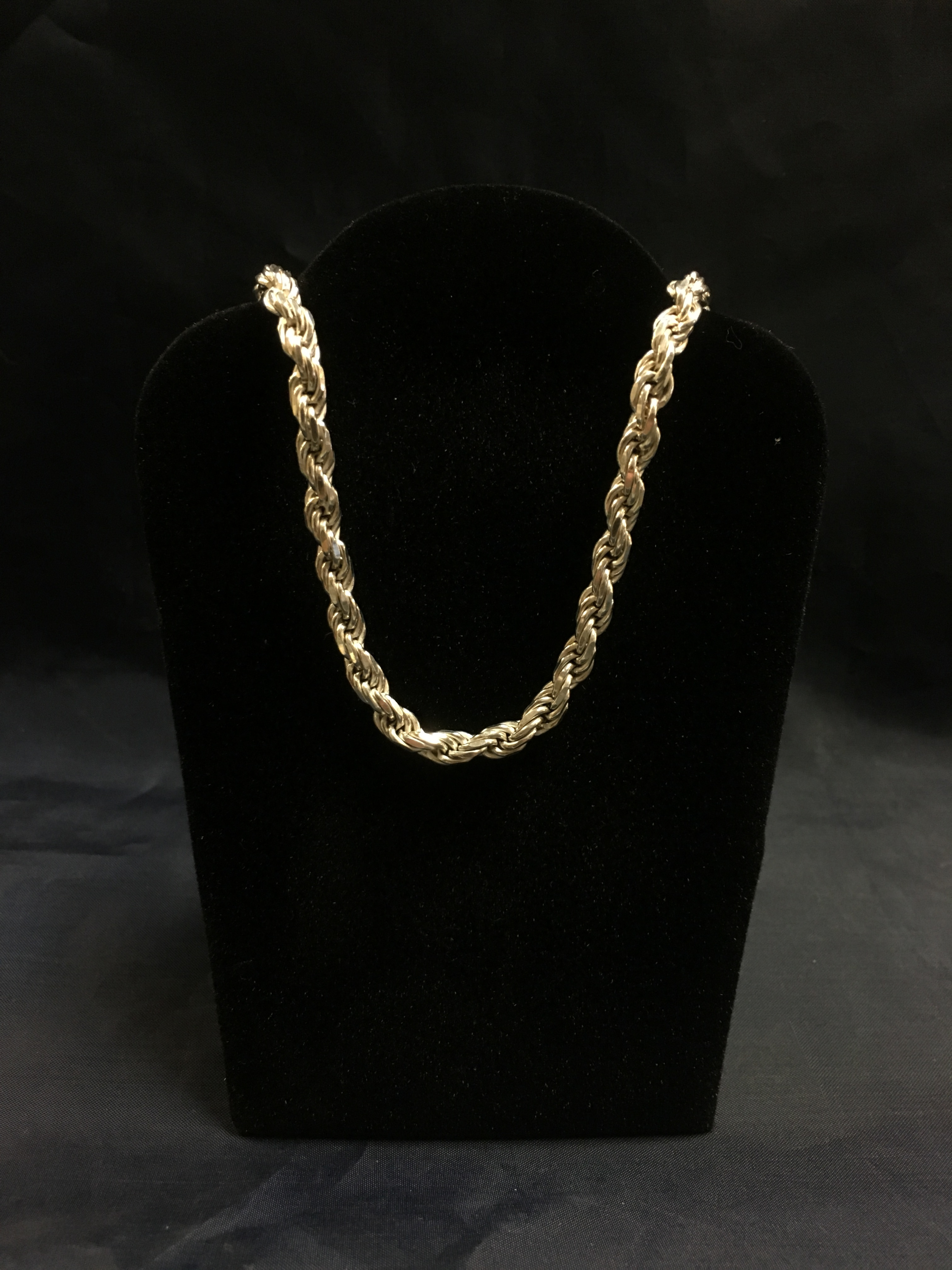 .925 SILVER TWIST ROPE CHAIN. LENGTH: 22