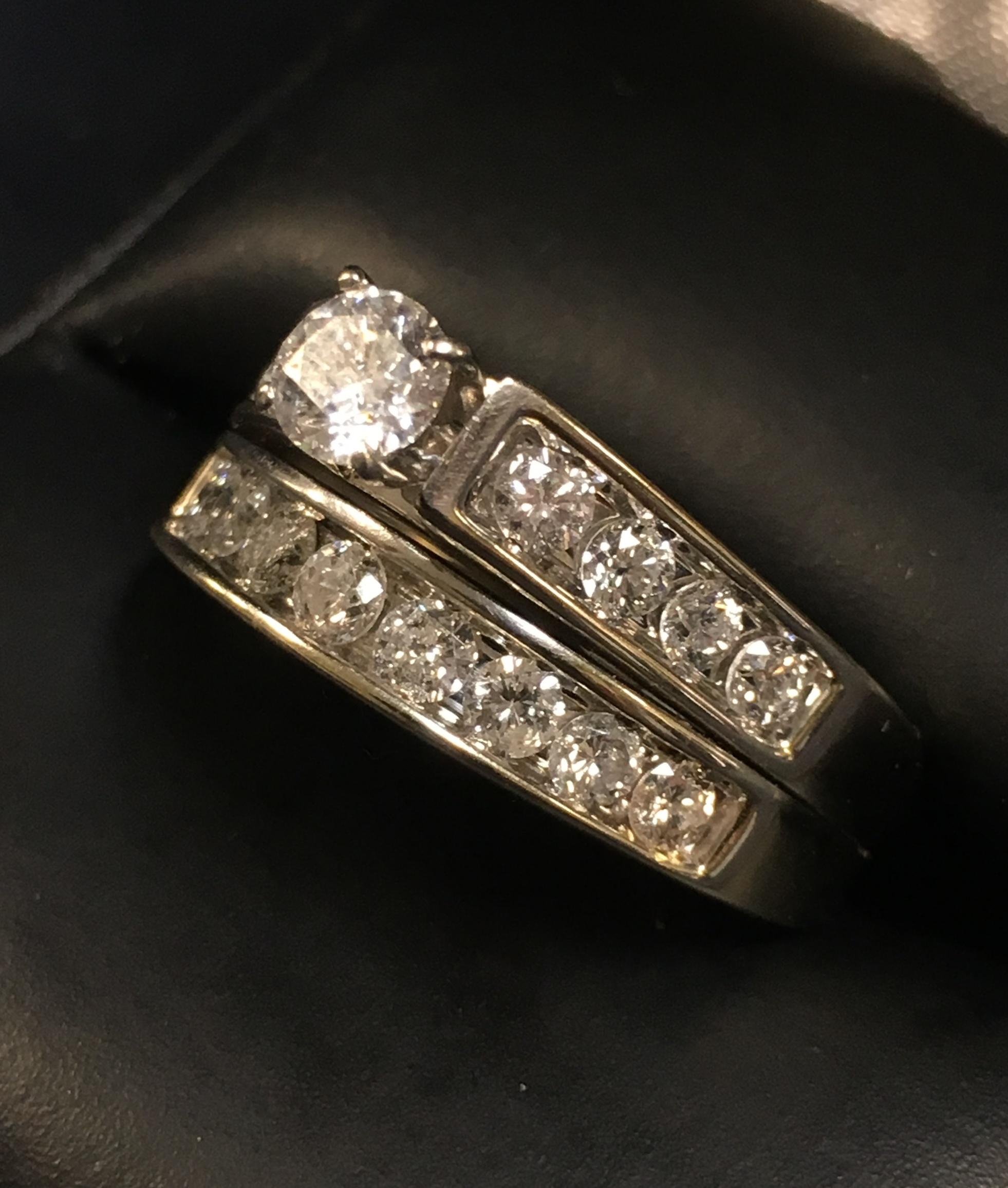 14KT WHITE GOLD DIAMOND WEDDING SET. SIZE: 8
