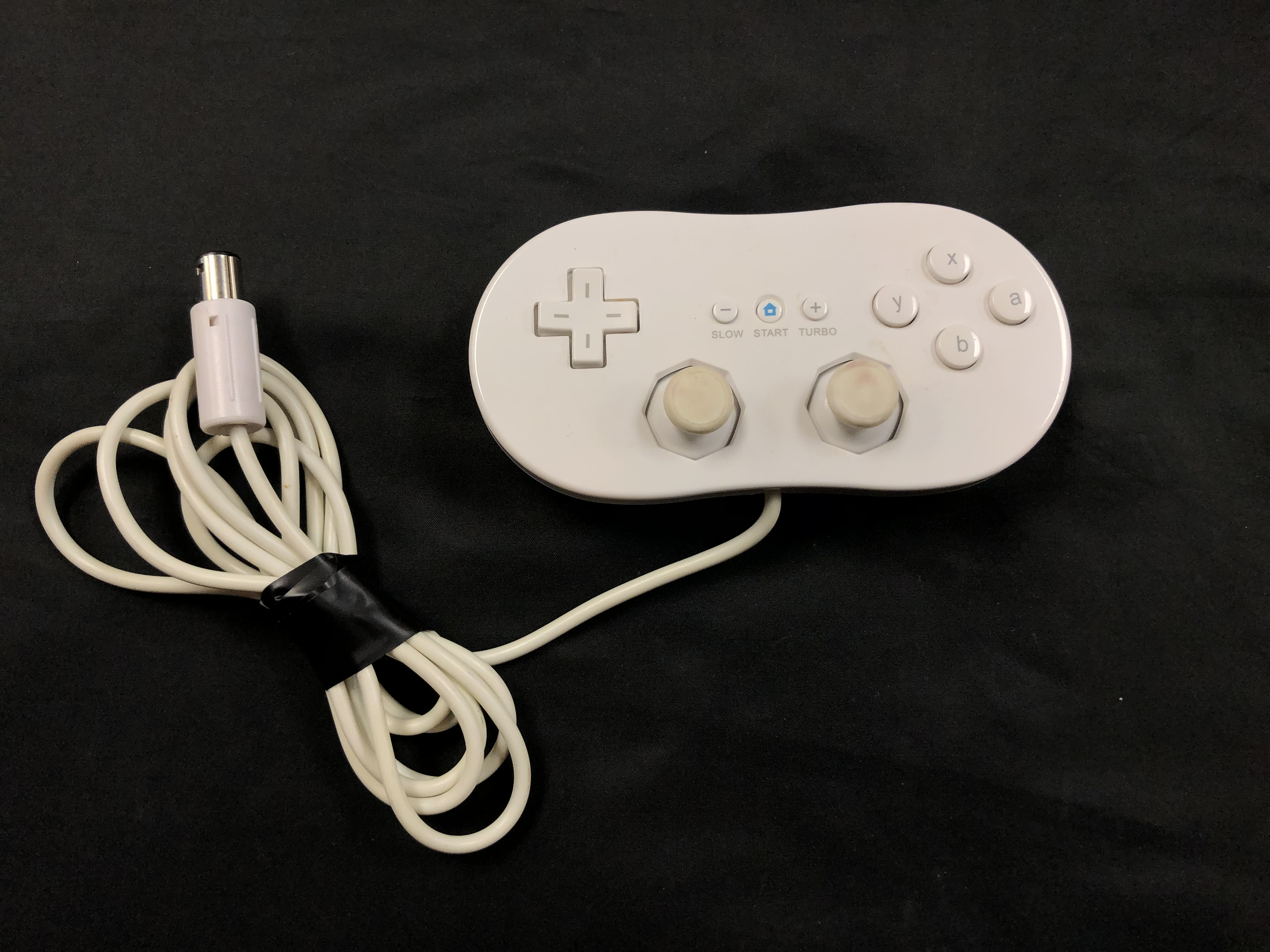GAMES: NINTENDO - WII CLASSIC CONTROLLER