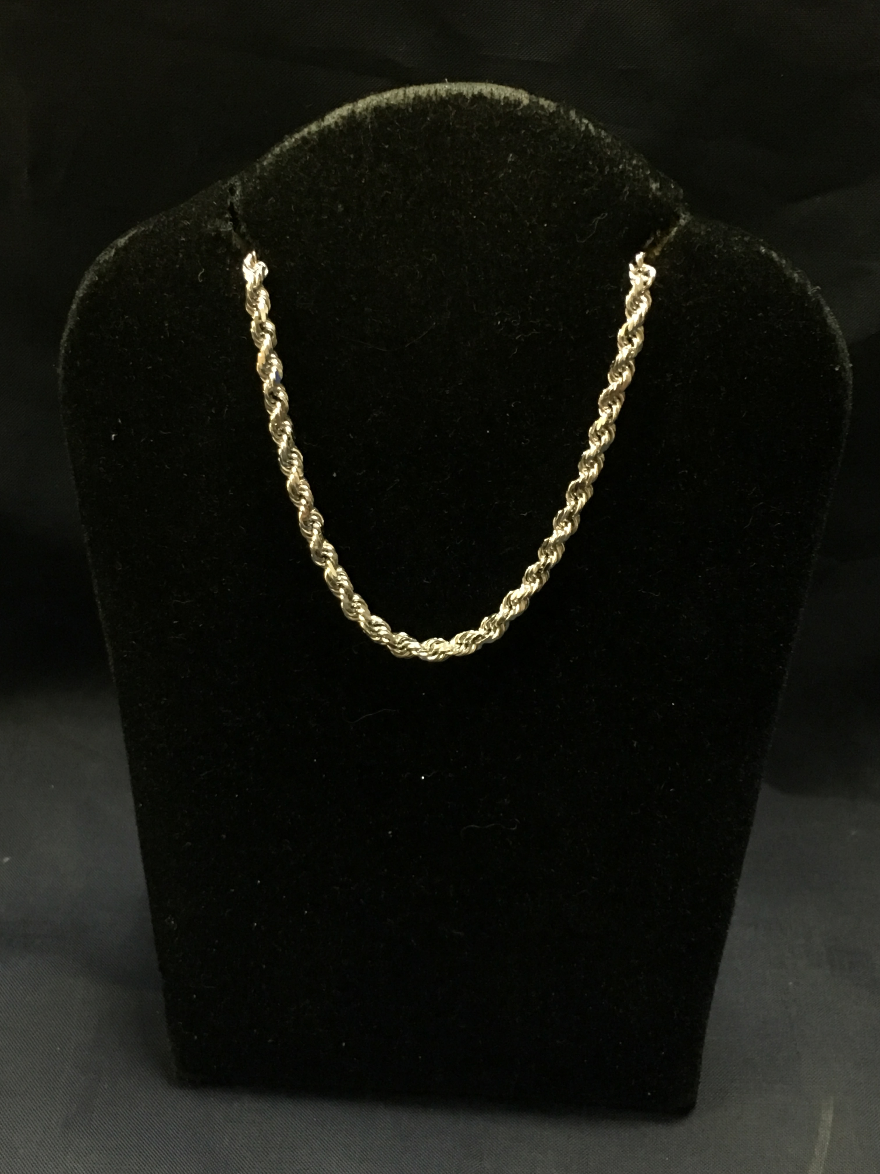 14KT WHITE GOLD TWIST ROPE CHAIN. LENGTH: 16