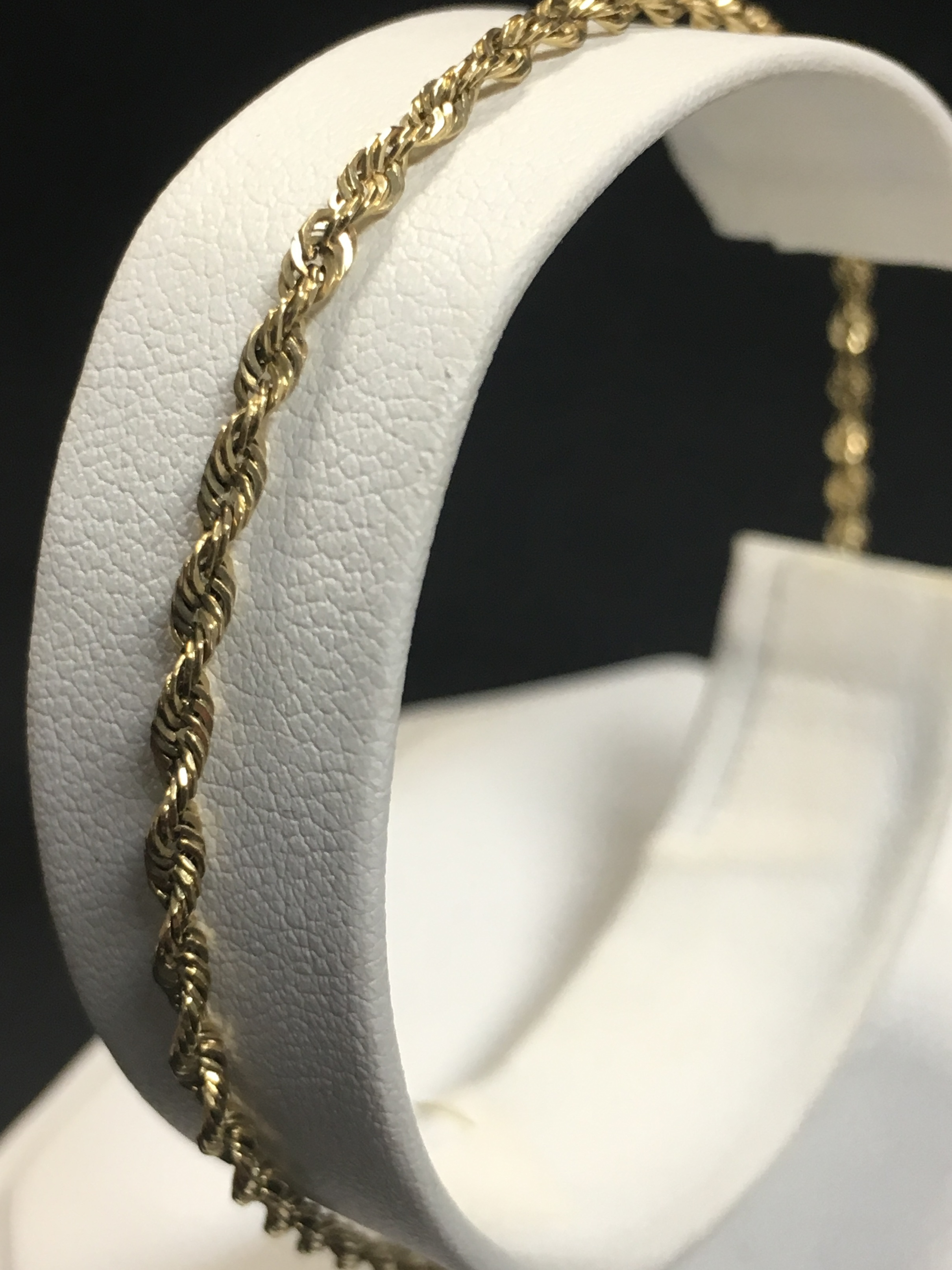 10KT YELLOW GOLD TWIST ROPE CHAIN. LENGTH: 12