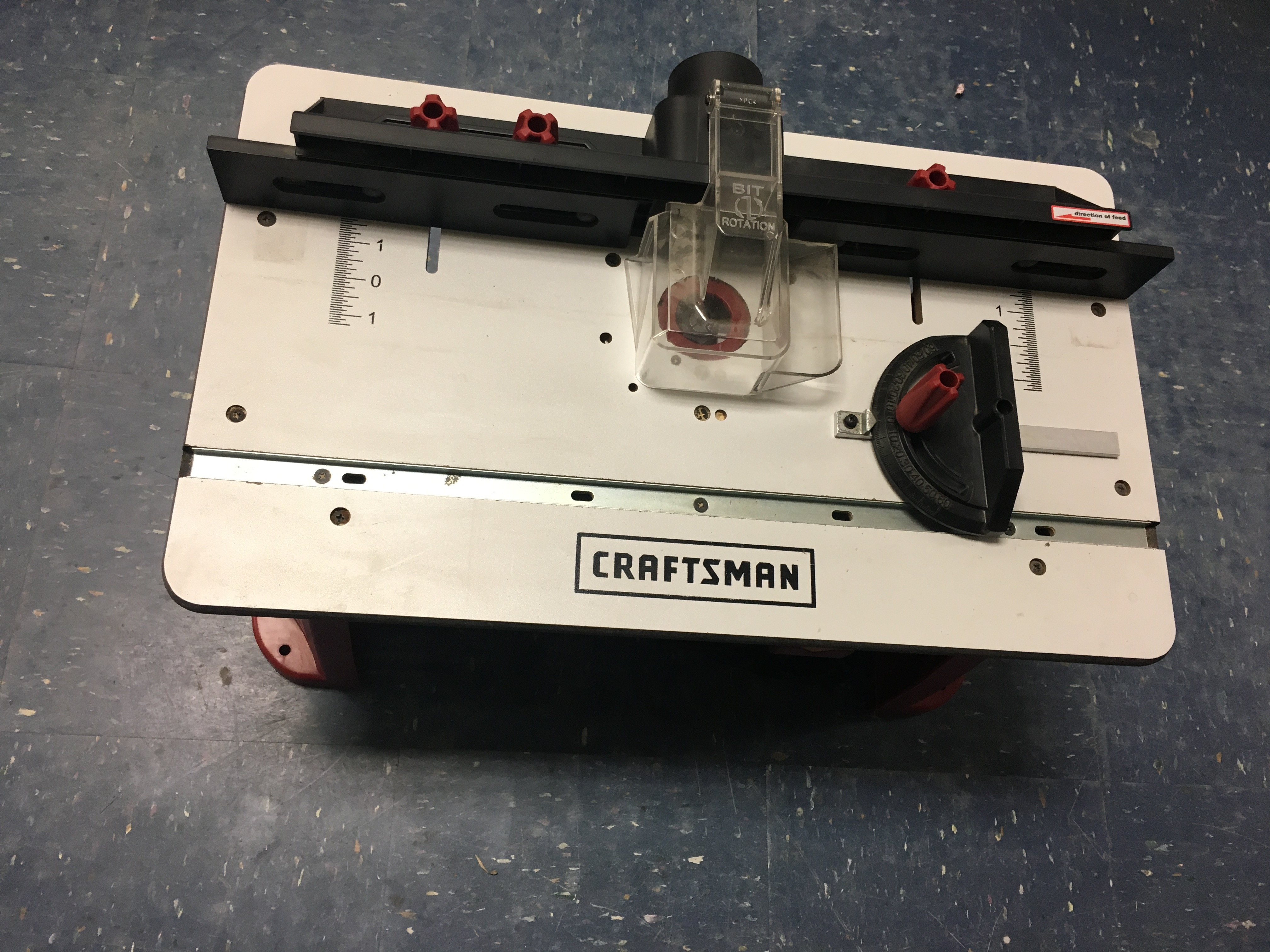 TOOLS: CRAFTSMAN - 1 3/4 - PEAK HP FIXED BASE ROUTER W/ TABLE